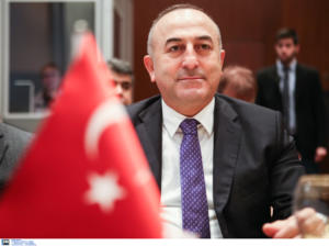 """Τσαβούσογλου: Η Ελλάδα δεν είναι """"παίκτης"""" στη Λιβύη! Δεν είχε θέση στη Διάσκεψη του Βερολίνου"""