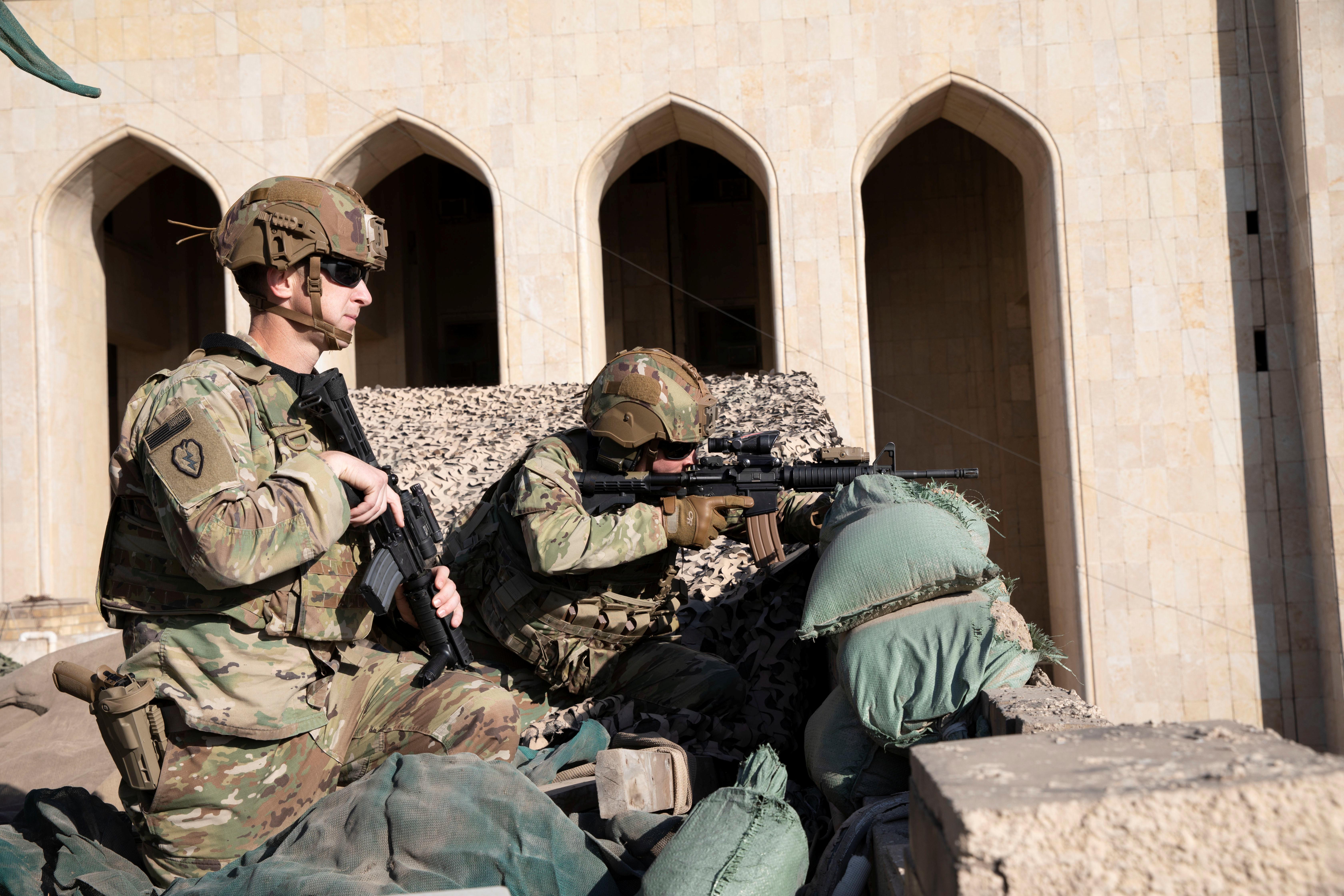 Οι ΗΠΑ στέλνουν 3.000 στρατιώτες στην Μέση Ανατολή - Σε «κόκκινο» συναγερμό στη Νέα Υόρκη για ενδεχόμενα αντίποινα