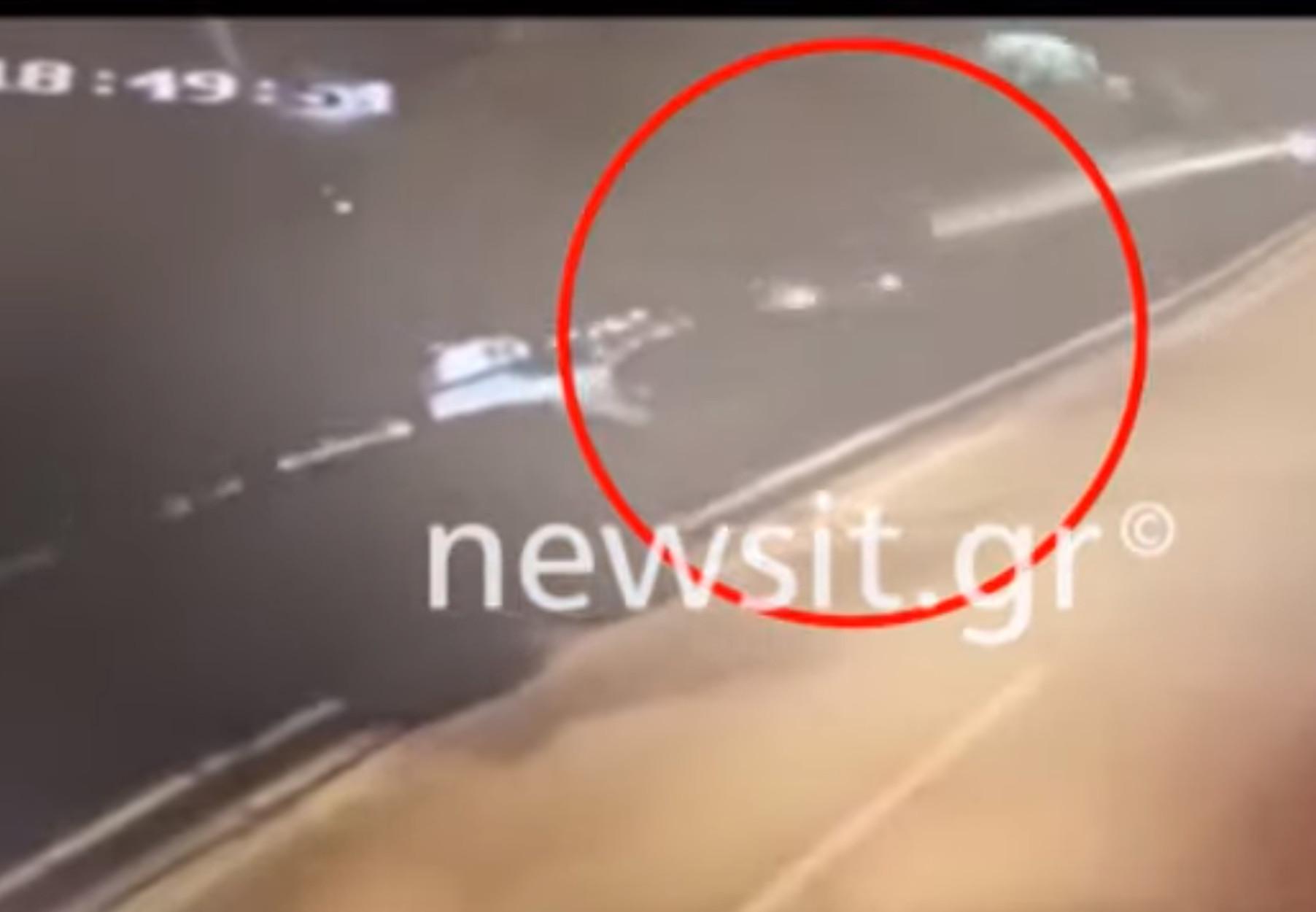 Αυτό είναι το αυτοκίνητο των δολοφόνων της Βάρης - Βίντεο - ντοκουμέντο την ώρα που φεύγουν από το σημείο του φονικού