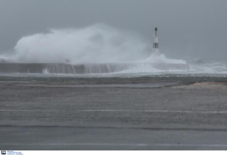 """Καιρός: """"Σαρώνει"""" τη χώρα η Κίρκη! Καταιγίδες, δυνατοί άνεμοι και σκόνη – Πότε και που θα """"χτυπήσει"""" (pics)"""