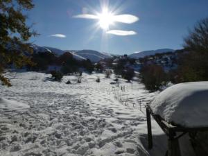 """Καιρός """"Ηφαιστίων"""": Μοναδικά όμορφες εικόνες από την χιονισμένη Κρήτη"""
