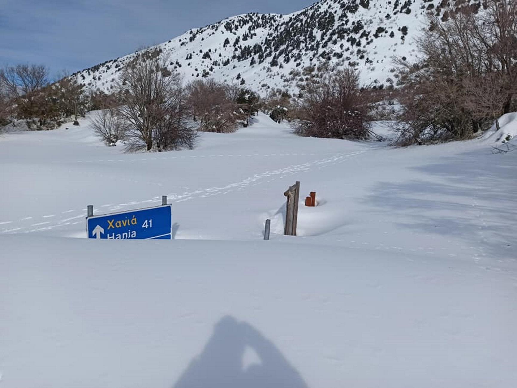 Κρήτη: Τα χιόνια σκέπασαν το φαράγγι της Σαμαριάς! Εκπληκτικές εικόνες σε ένα τοπίο λευκό [pics, video]