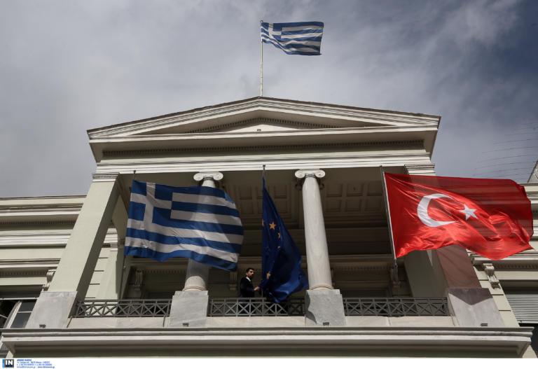 Διαβήματα της Ελλάδας στην Τουρκία για τις υπερπτήσεις και την σύγκρουση σκαφών στα Ίμια