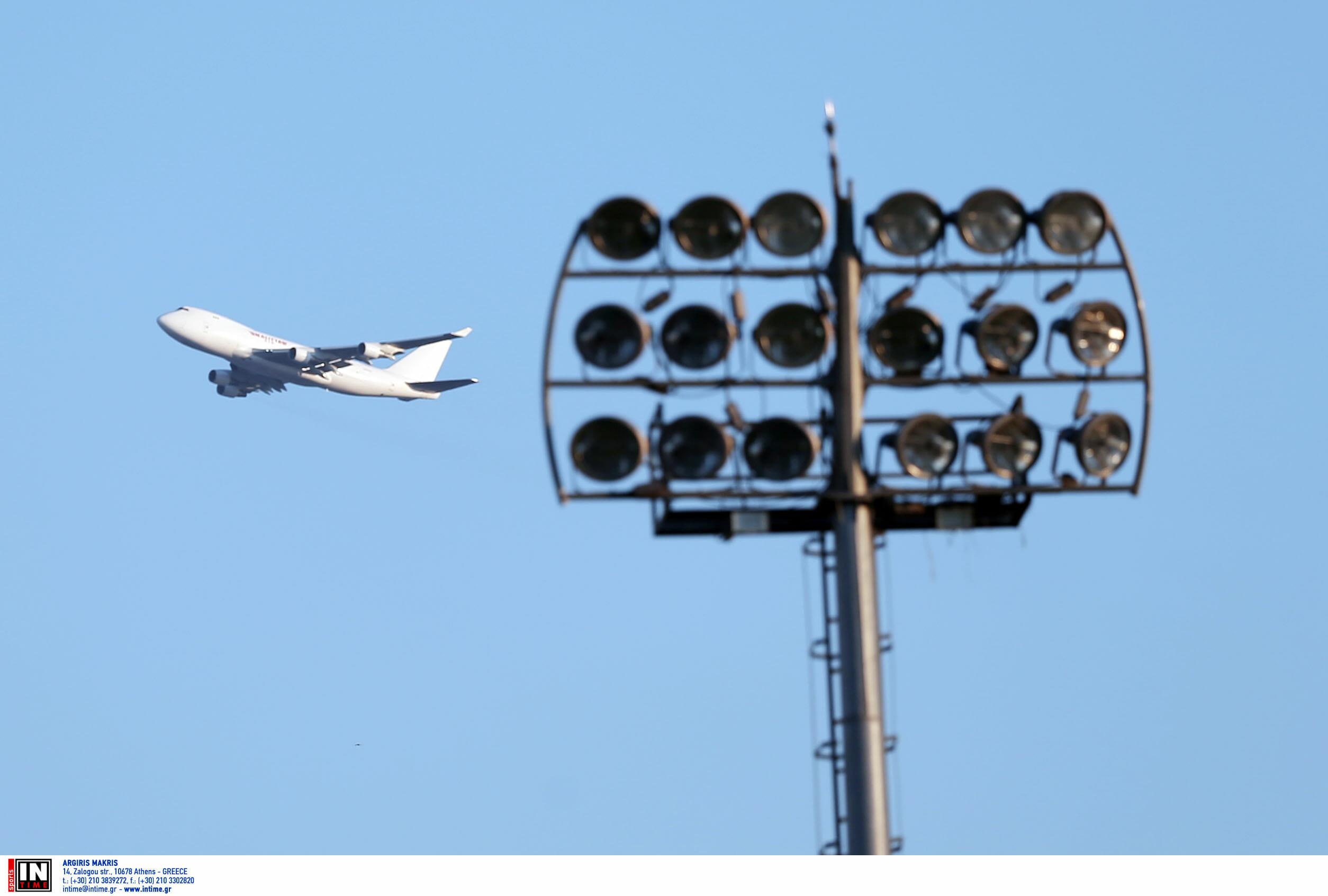 """ΑΠΟΕΛ: """"Θρίλερ"""" στον αέρα! Αναγκαστική προσγείωση αεροπλάνου που μετέφερε οπαδούς στη Βασιλεία"""