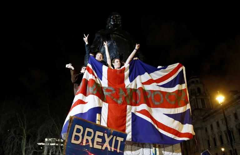 Brexit: Γαλλικό βέτο και παράταση των διαπραγματεύσεων – Τα τρία ακανθώδη θέματα που μπλοκάρουν την συμφωνία