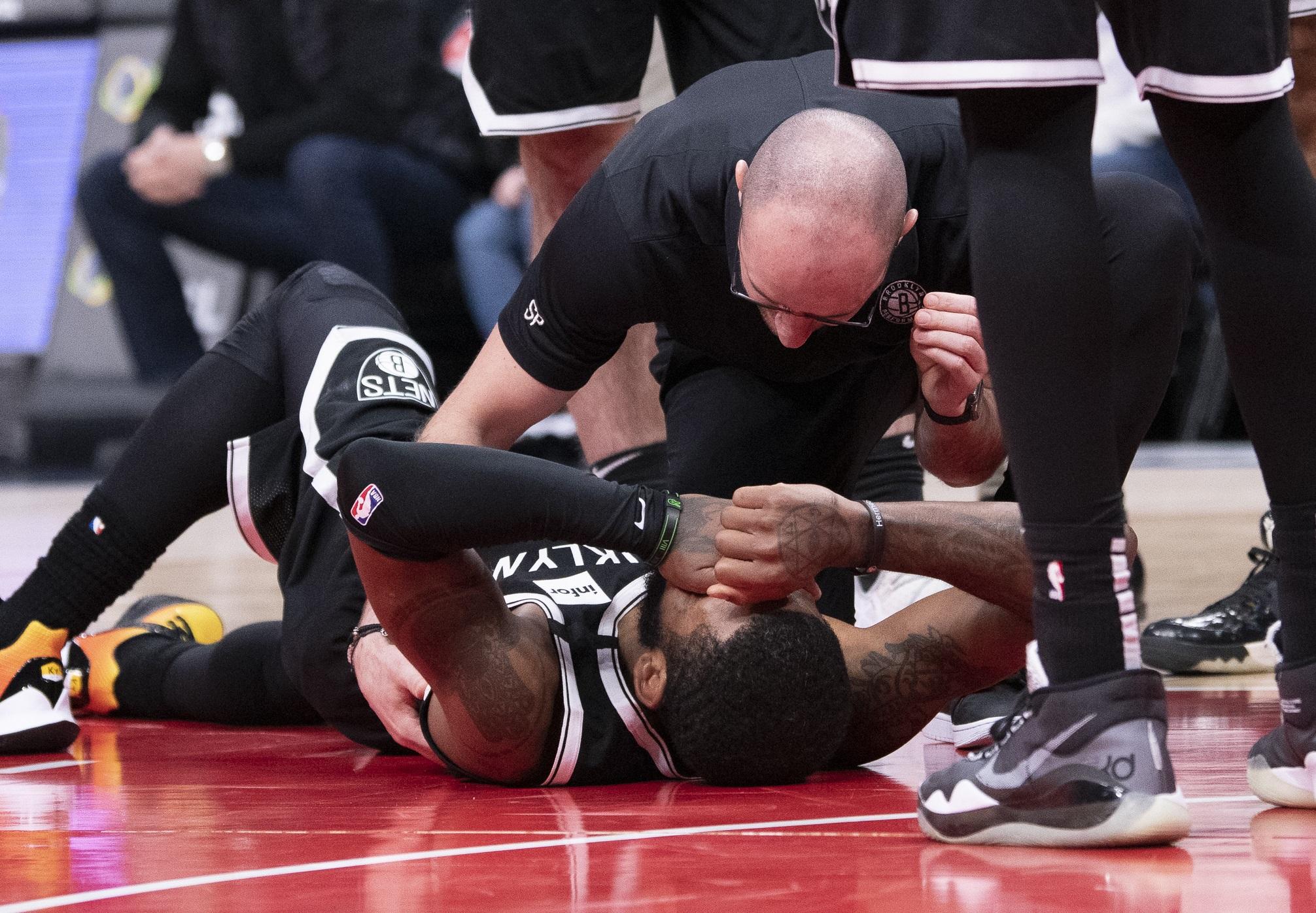 """""""Πάγωσαν"""" με τον τραυματισμό του Ίρβινγκ! """"Τι γαμ@#η εβδομάδα"""" (video)"""