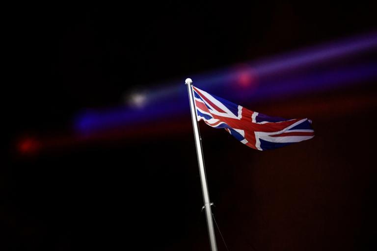 Βρετανία: «Όχι» στα πιστοποιητικά εμβολιασμού για τους ταξιδιώτες