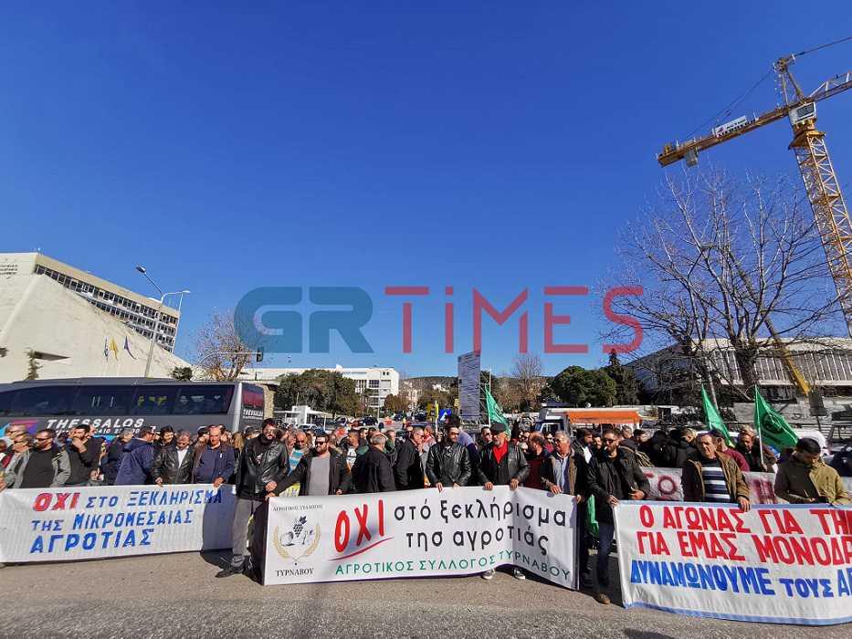 """""""Θέλουμε αξιοπρέπεια"""" φώναξαν εκατοντάδες αγρότες στην έκθεση Agrotica - Άνοιξε η Εγνατία [pics, video]"""