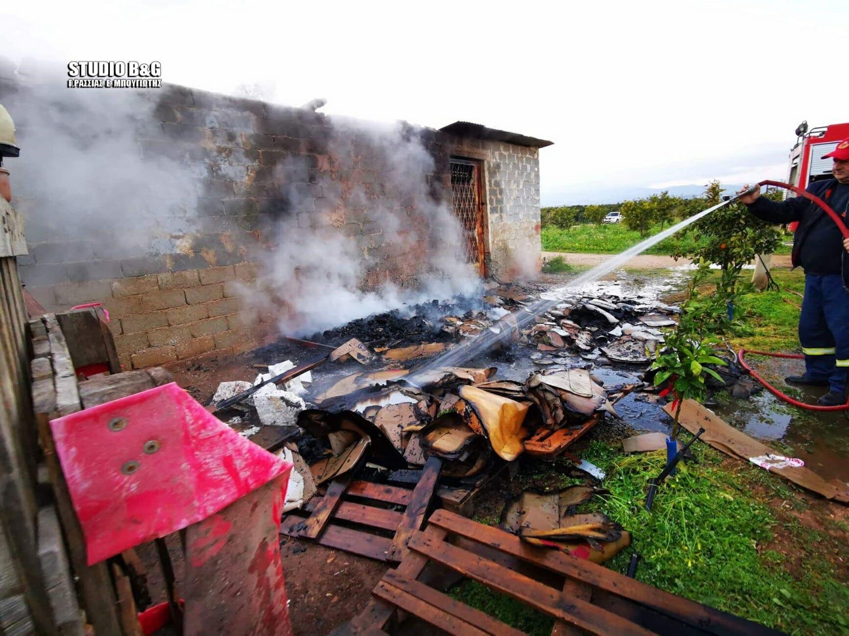 """Άργος: """"Ήθελα να τους κάνω έξωση και έβαλαν τη φωτιά για να με εκδικηθούν""""! Στάχτη η αποθήκη (Φωτό)"""