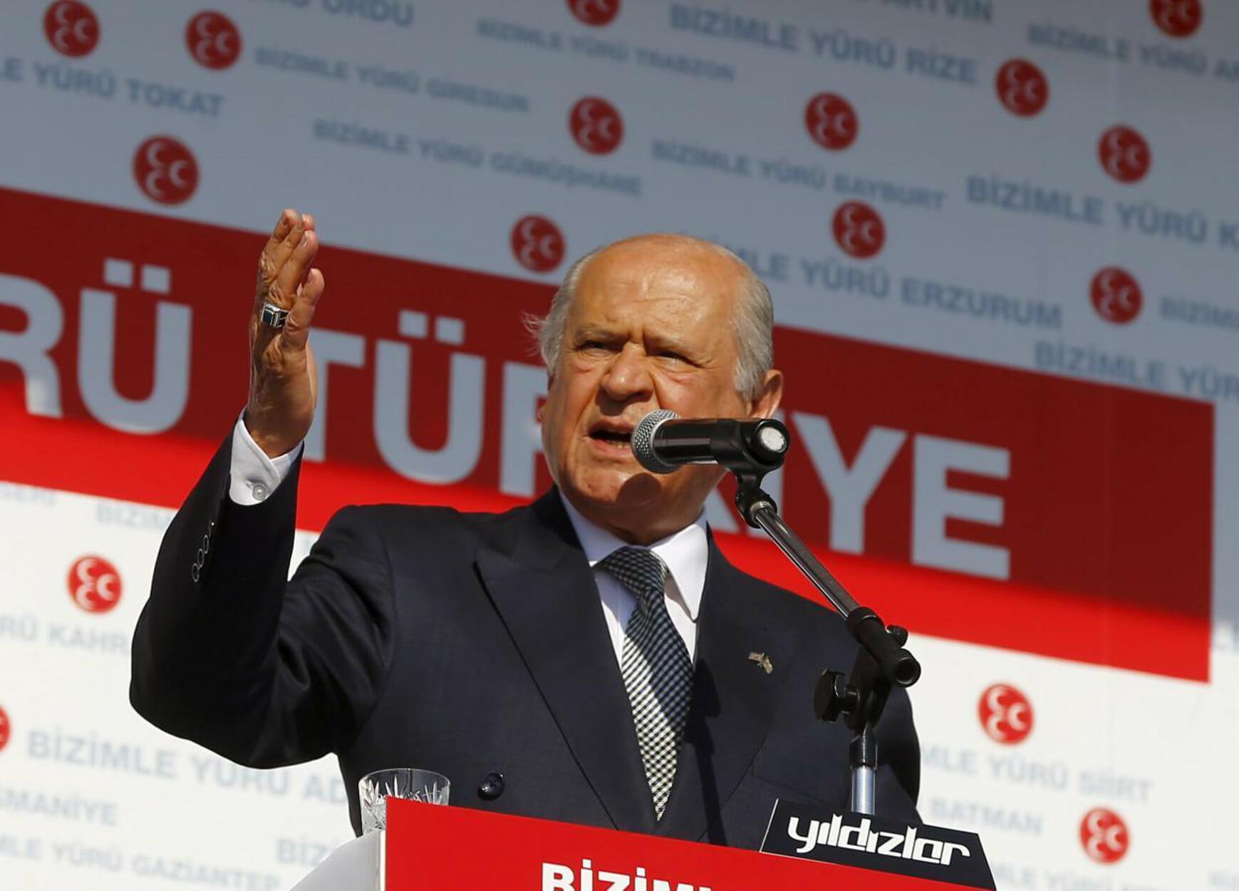 """Ο Μπαχτσελί ζητά το... """"κεφάλι"""" του Ακιντζί! """"Να φύγει, εξυπηρετεί τους Ελληνοκυπρίους"""""""