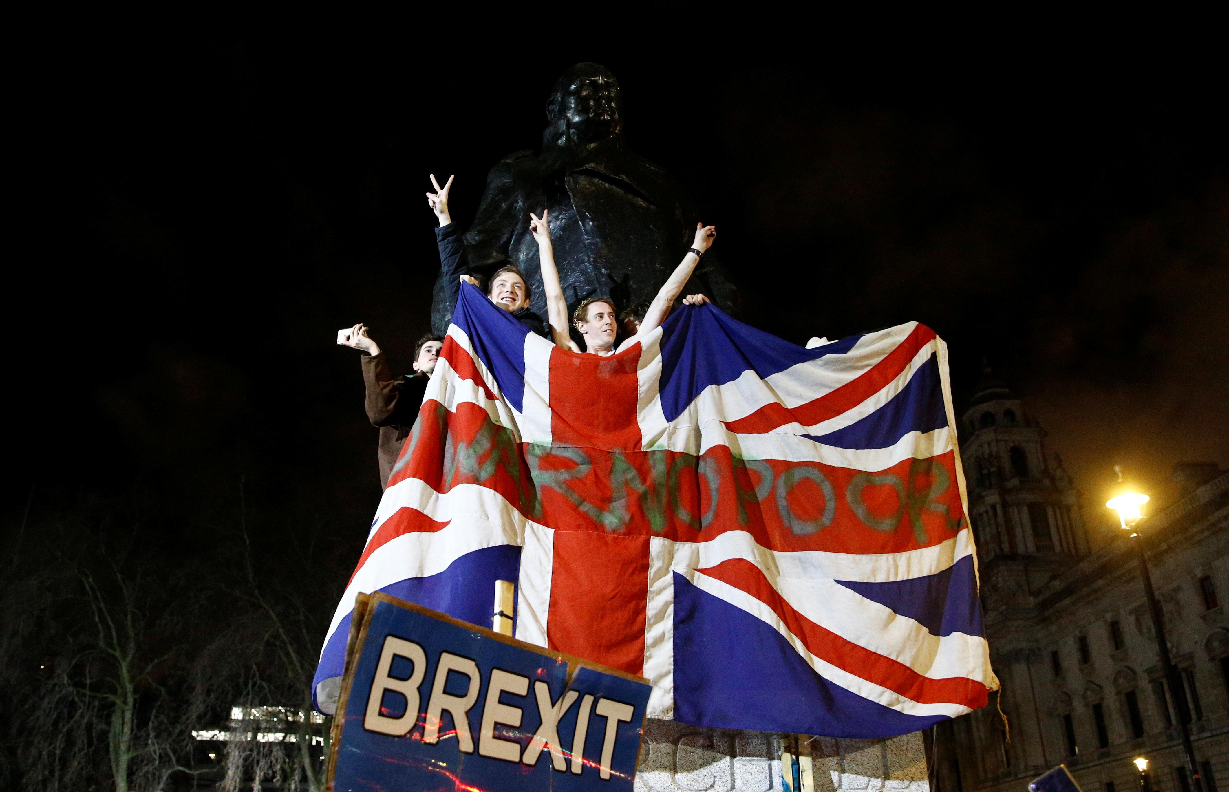 Brexit: Παράταση στις σχέσεις με την ΕΕ ζητούν Σκωτία και Ουαλία