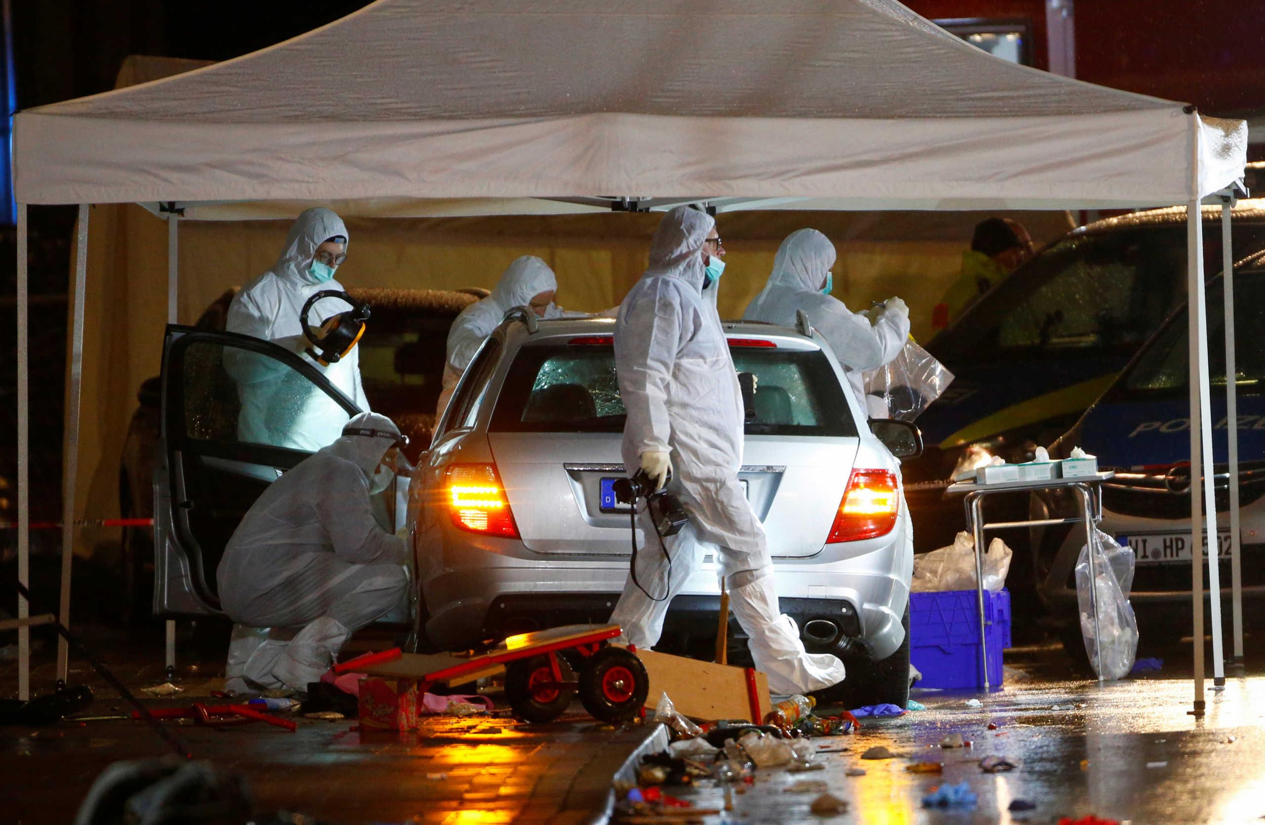Σε σοκ η Γερμανία! Ψάχνουν τα κίνητρα του δράστη που έριξε το αυτοκίνητό του σε 52 καρναβαλιστές!
