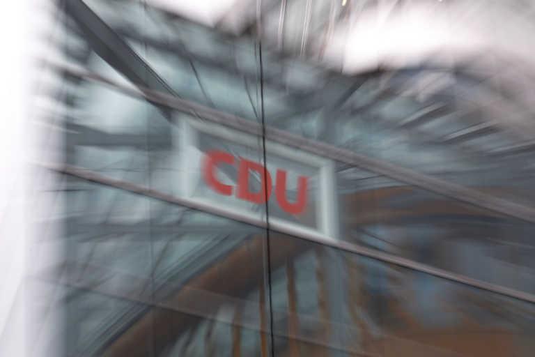 Γερμανία: Δύο βουλευτές του CDU αποσύρονται γιατί πήραν «μίζες» για την αγορά μασκών