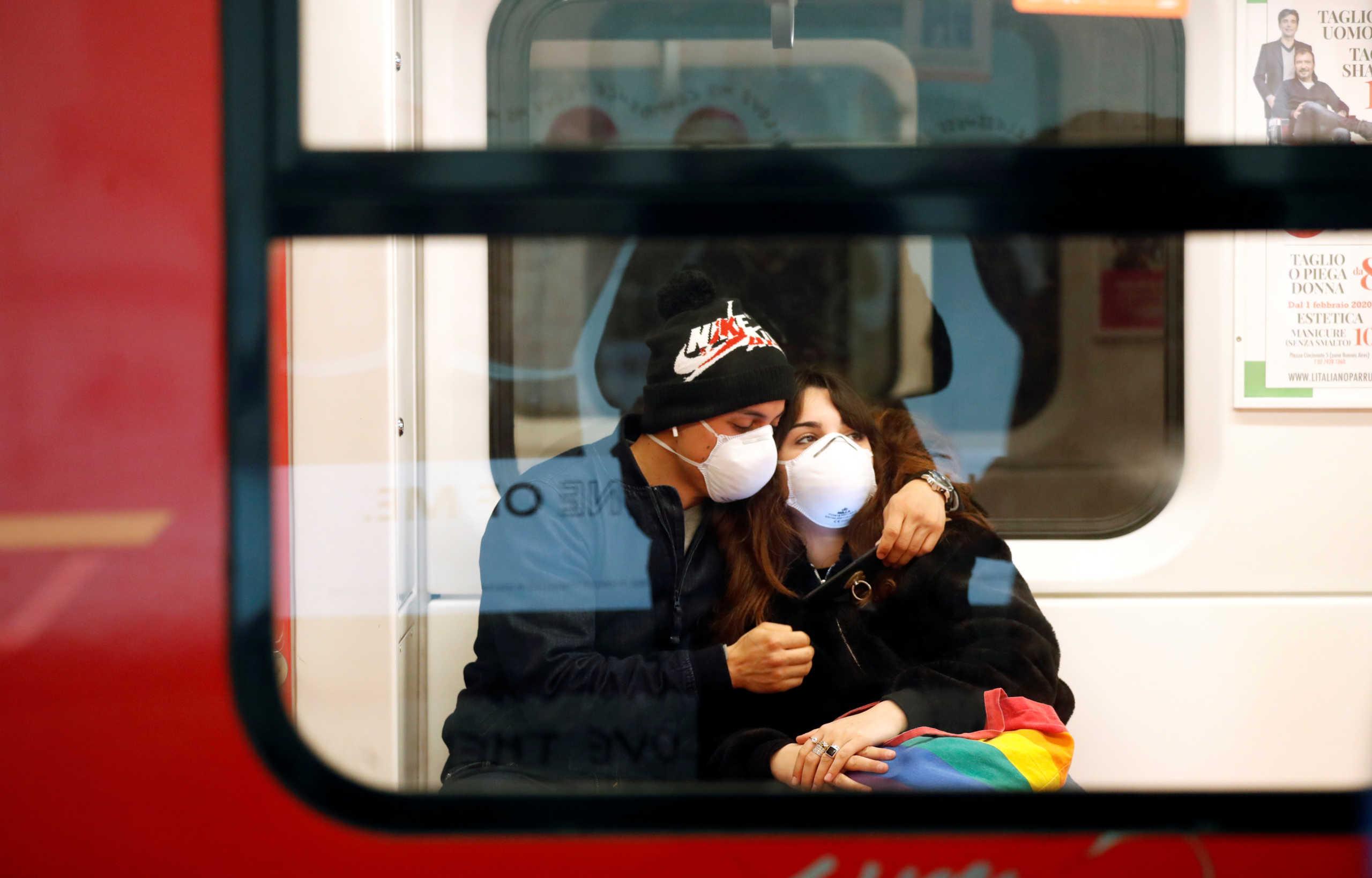 Κορονοϊός: Ναύλωσαν αεροπλάνο για να φέρουν πίσω στην Ελλάδα 75 μαθητές