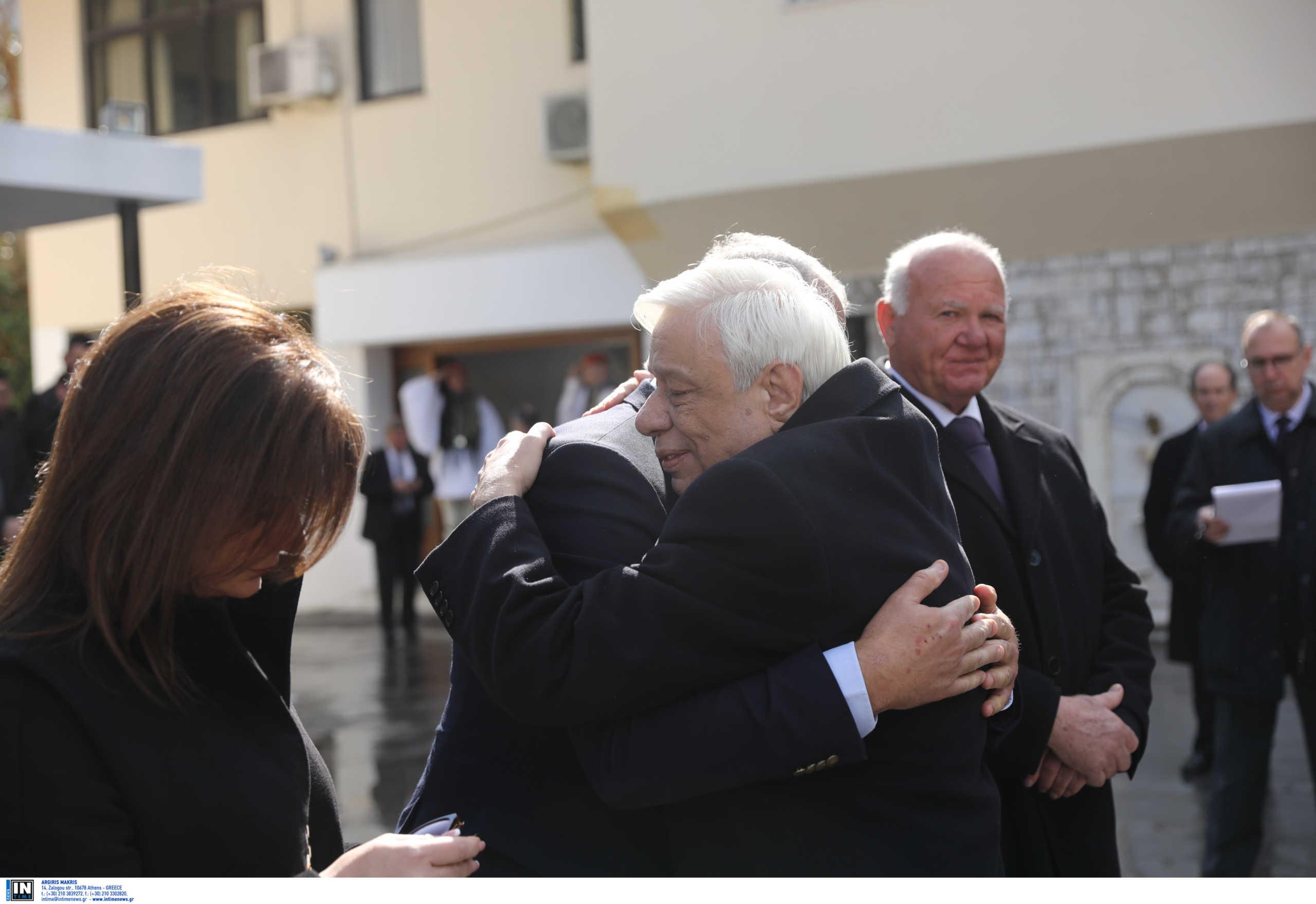 Ράγισαν καρδιές για τον αδικοχαμένο εύζωνα! Η συγκίνηση του Προέδρου της Δημοκρατίας