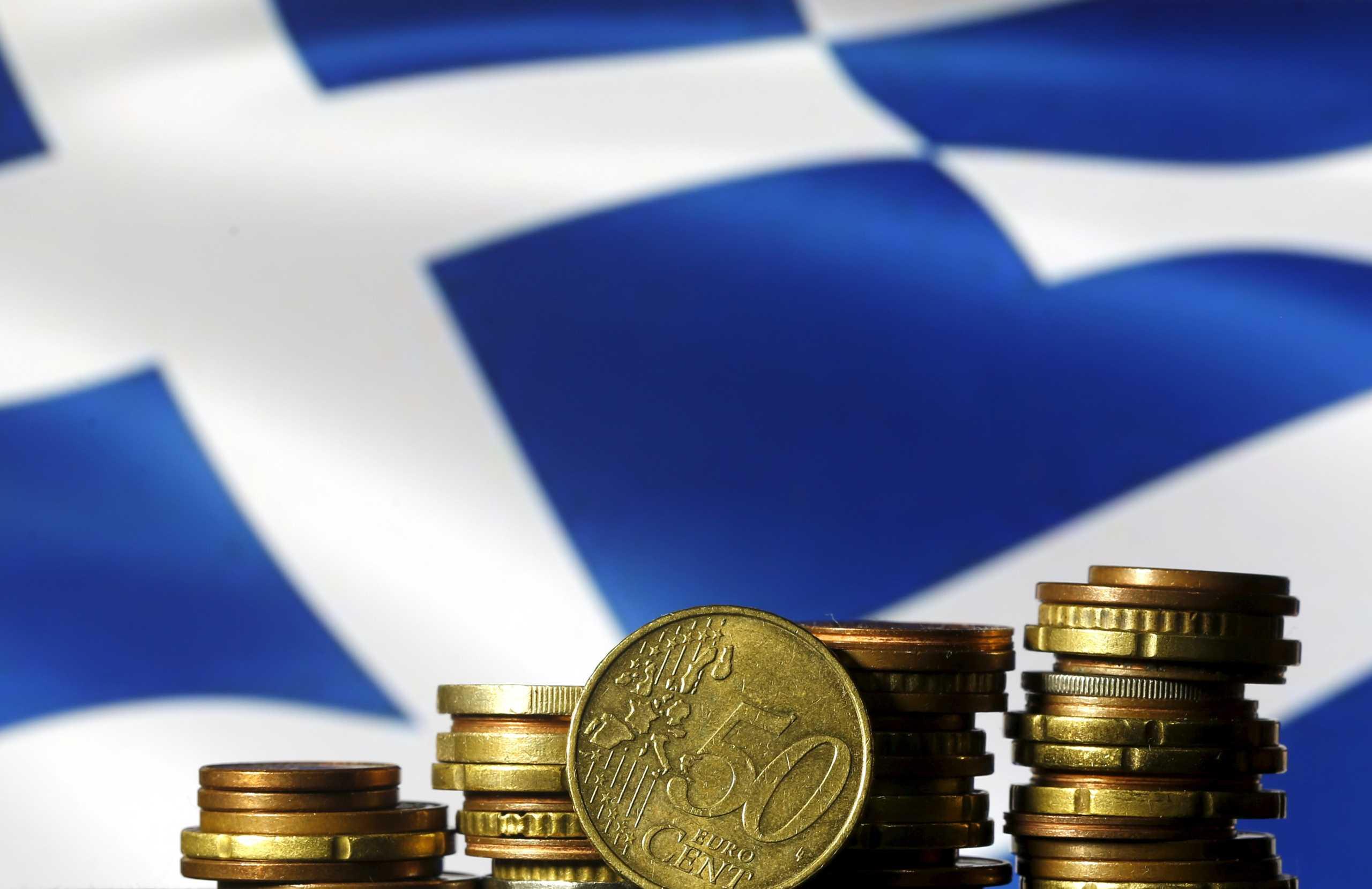 Στις αγορές βγαίνει ξανά η Ελλάδα