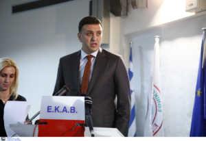 Κορονοϊός: Με εντολή Κικίλια ανακαλούνται οι άδειες γιατρών και νοσηλευτών