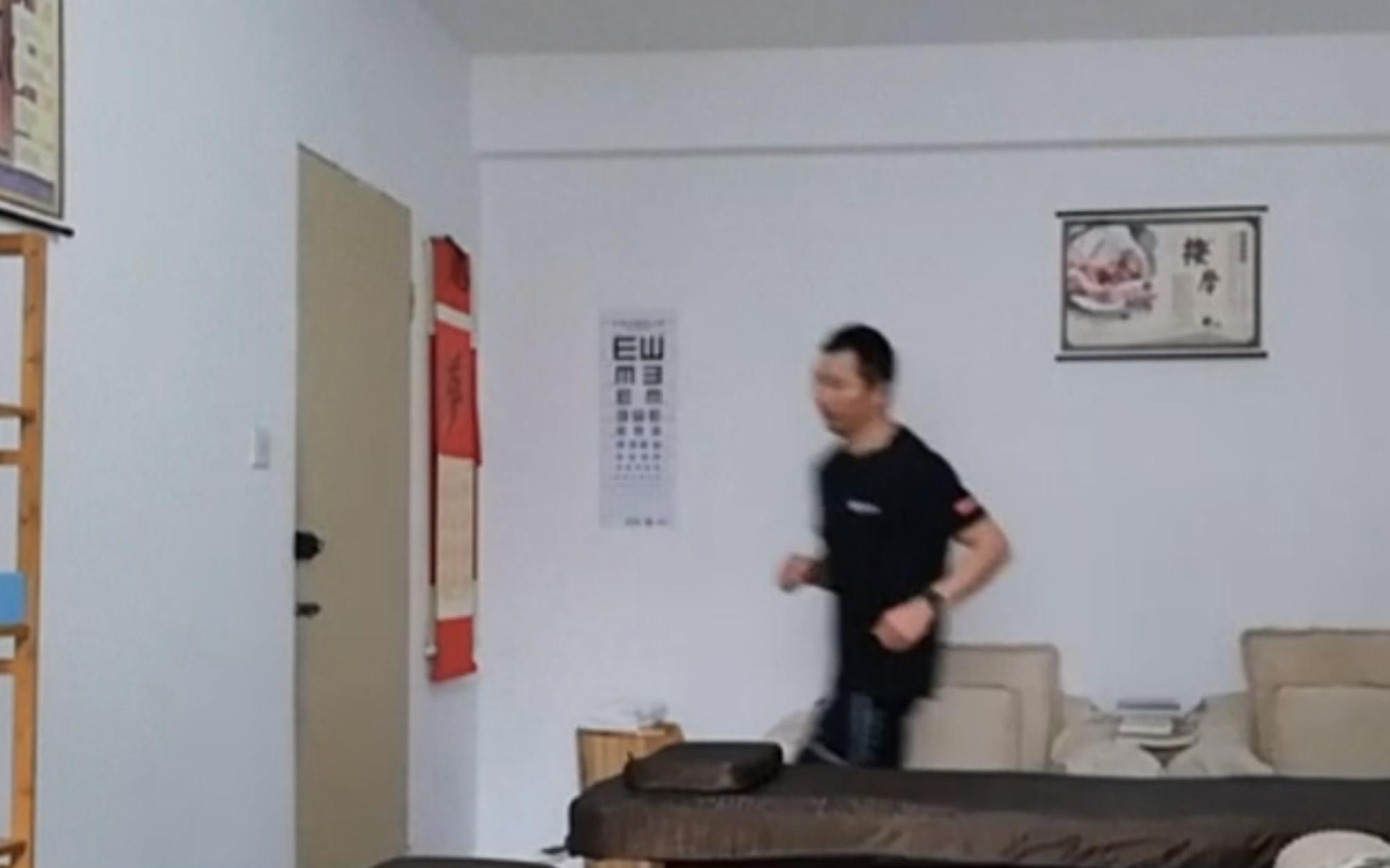 Έτρεξε 66 χιλιόμετρα μέσα στο διαμέρισμά του λόγω κορωνοϊού!