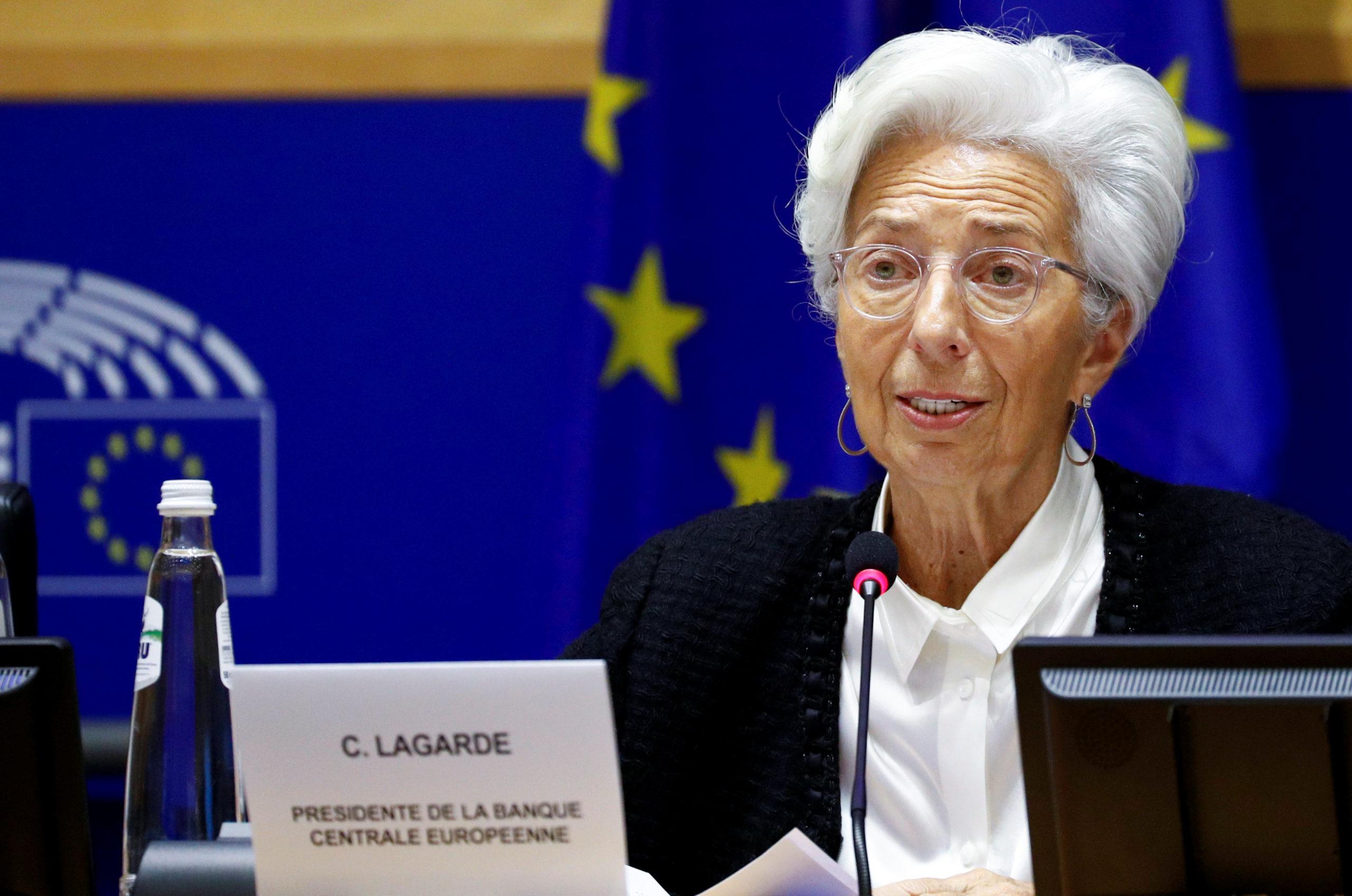 Λαγκάρντ: Αύξηση του έκτακτου προγράμματος αγορών ομολόγων και των δανείων στις τράπεζες
