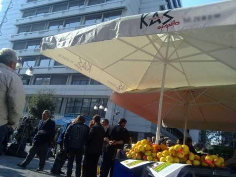 Lockdown: Ξεκινά η ενίσχυση σε παραγωγούς - πωλητές λαϊκών αγορών
