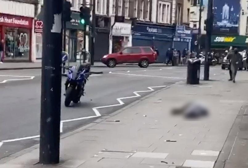 """Λονδίνο: """"Ισλαμικού χαρακτήρα"""" η τρομοκρατική επίθεση με μαχαίρι! Νεκρός δράστης"""