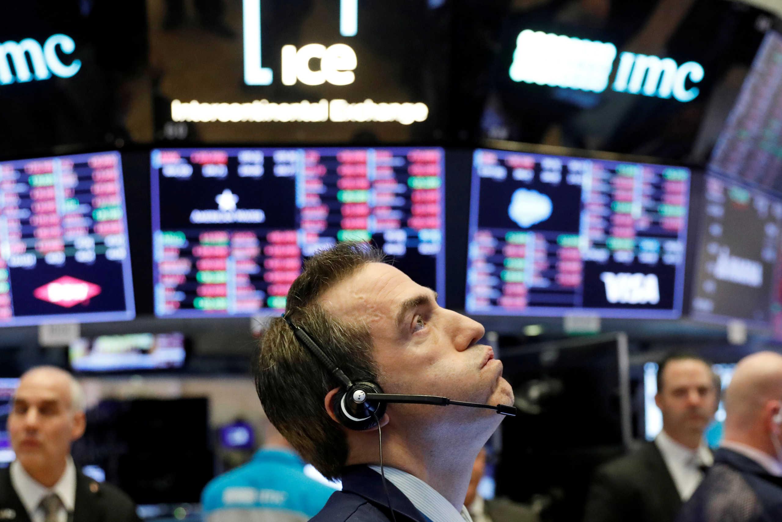 Το φάντασμα της ύφεσης επιστρέφει παγκοσμίως – Μεγάλες απώλειες σε χρηματιστήρια και πετρέλαιο