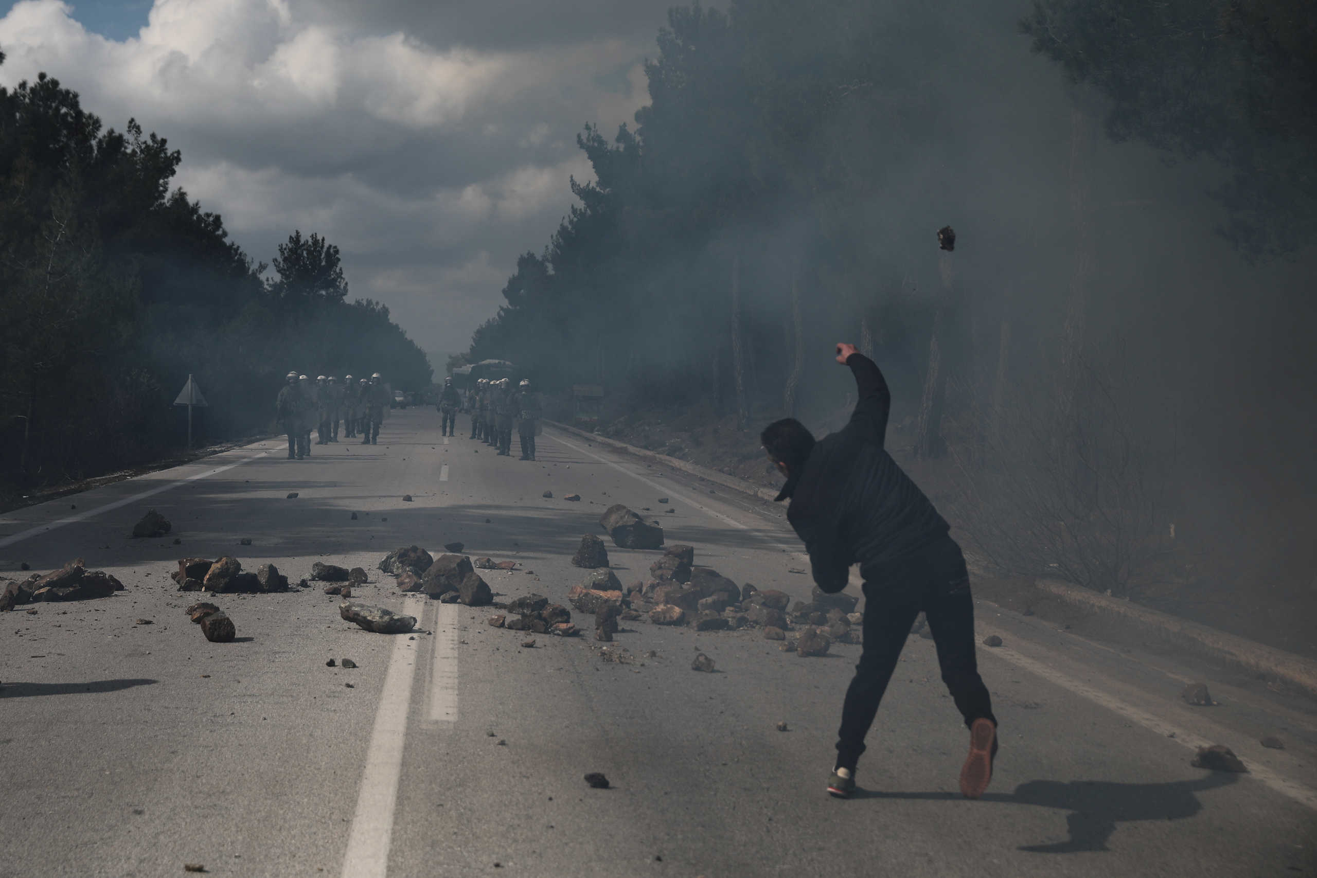Λέσβος: Νέα σοβαρά επεισόδια για τα κλειστά κέντρα!