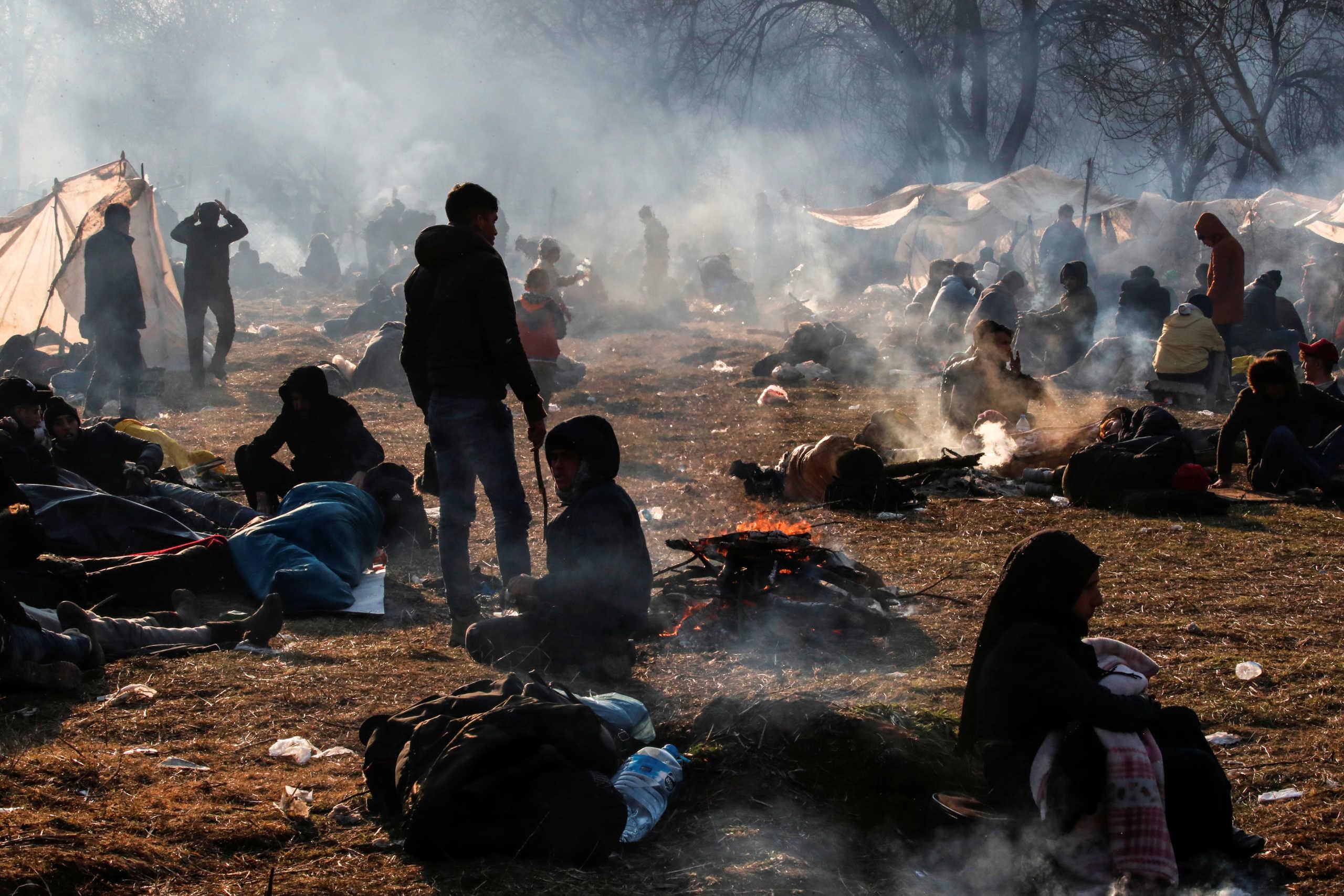 Καστανιές: Δύσκολη νύχτα για χιλιάδες μετανάστες! Σε ετοιμότητα στρατός και ΕΛΑΣ
