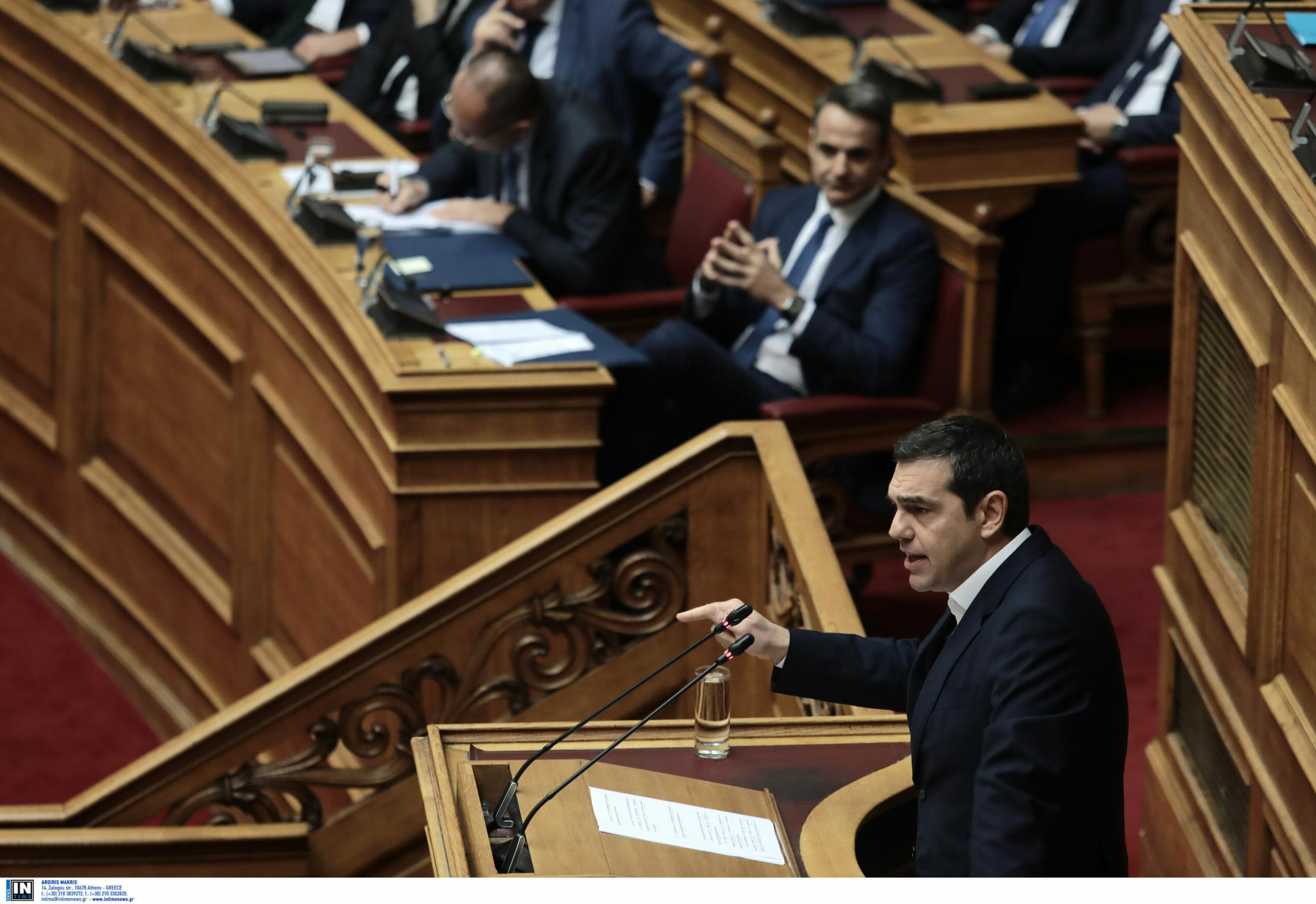 Μητσοτάκης: «Έχεις μείνει στο 2014 και κάνεις αντιπολίτευση με μαγκάλια!» - Τσίπρας: «Είσαι ο μεγαλύτερος πολιτικός απατεώνας»
