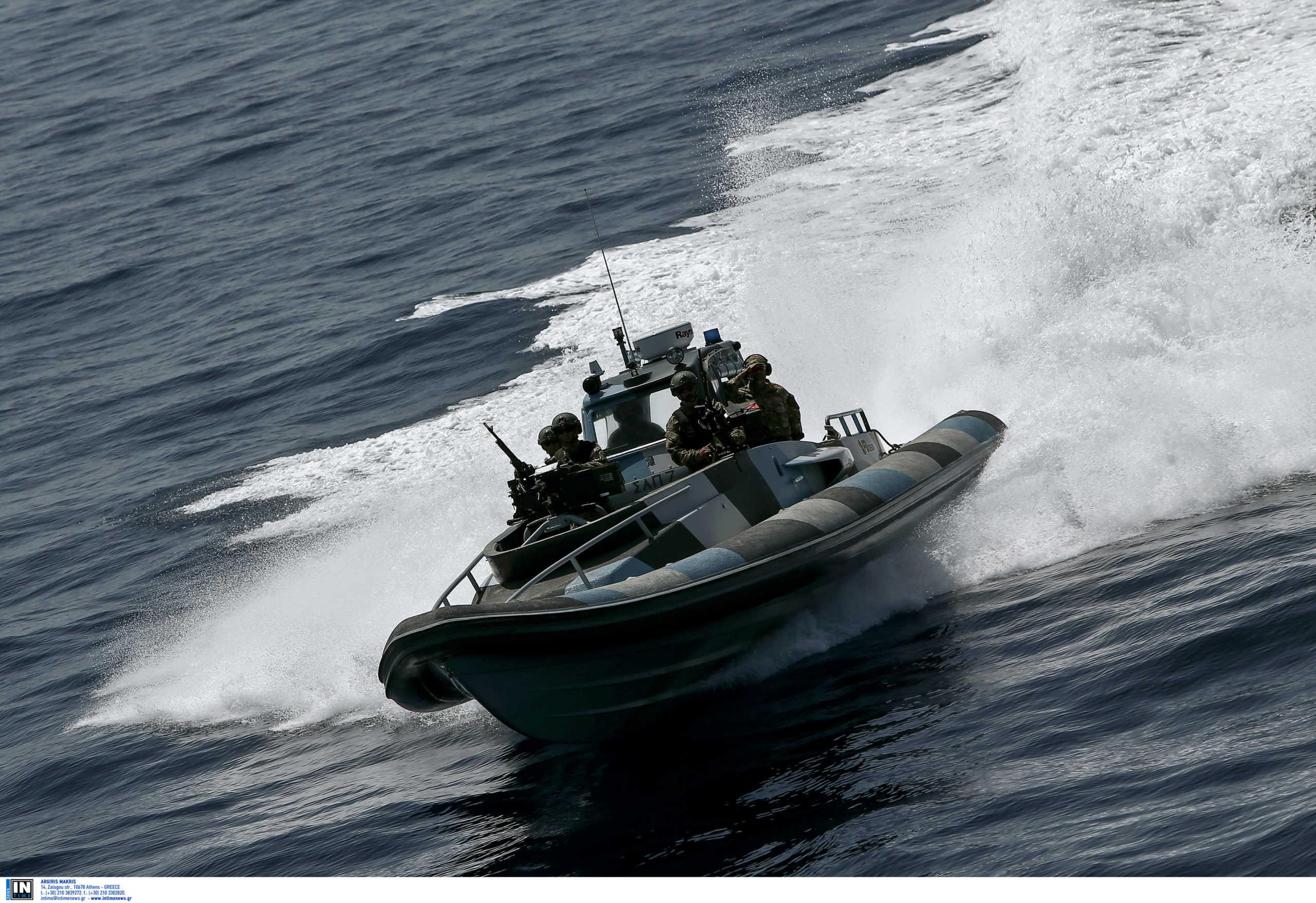 Φθιώτιδα: Η μαρτυρία του ψαρά φέρνει άντρες της Μονάδας Υποβρυχίων Καταστροφών στα Καμένα Βούρλα!