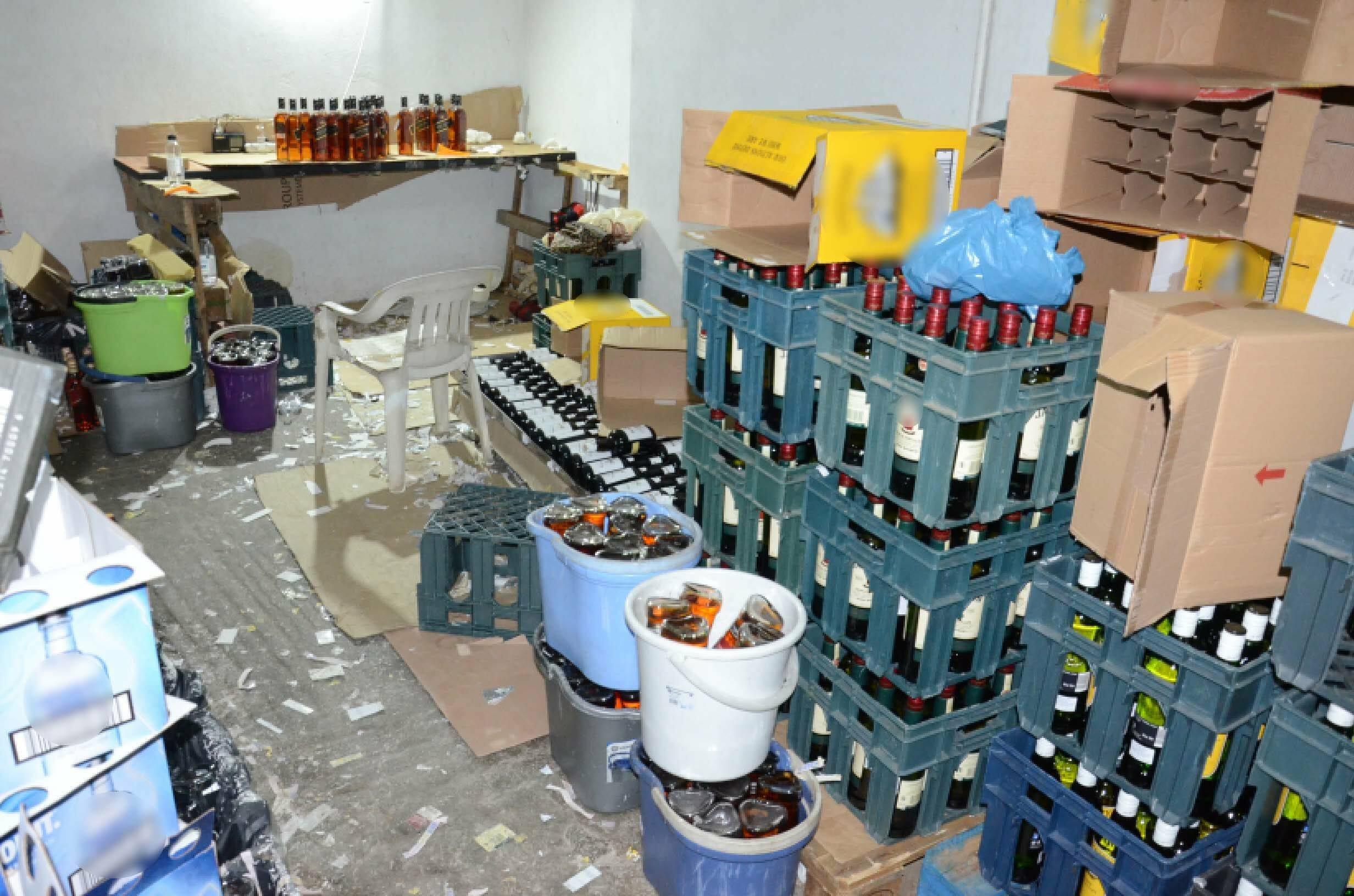 Έφτιαχναν ποτά μπόμπες σε Παγκράτι και Βύρωνα [pics, video]