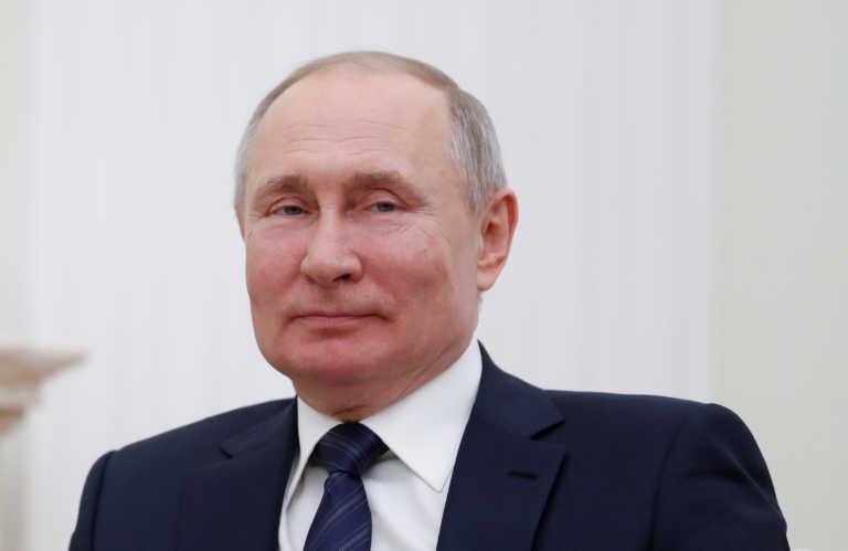 """Πούτιν: """"Νιετ"""" σε καραντίνα στη Ρωσία – Στα 100 δισ. ευρώ ο τζίρος του ρωσικού εμβολίου"""