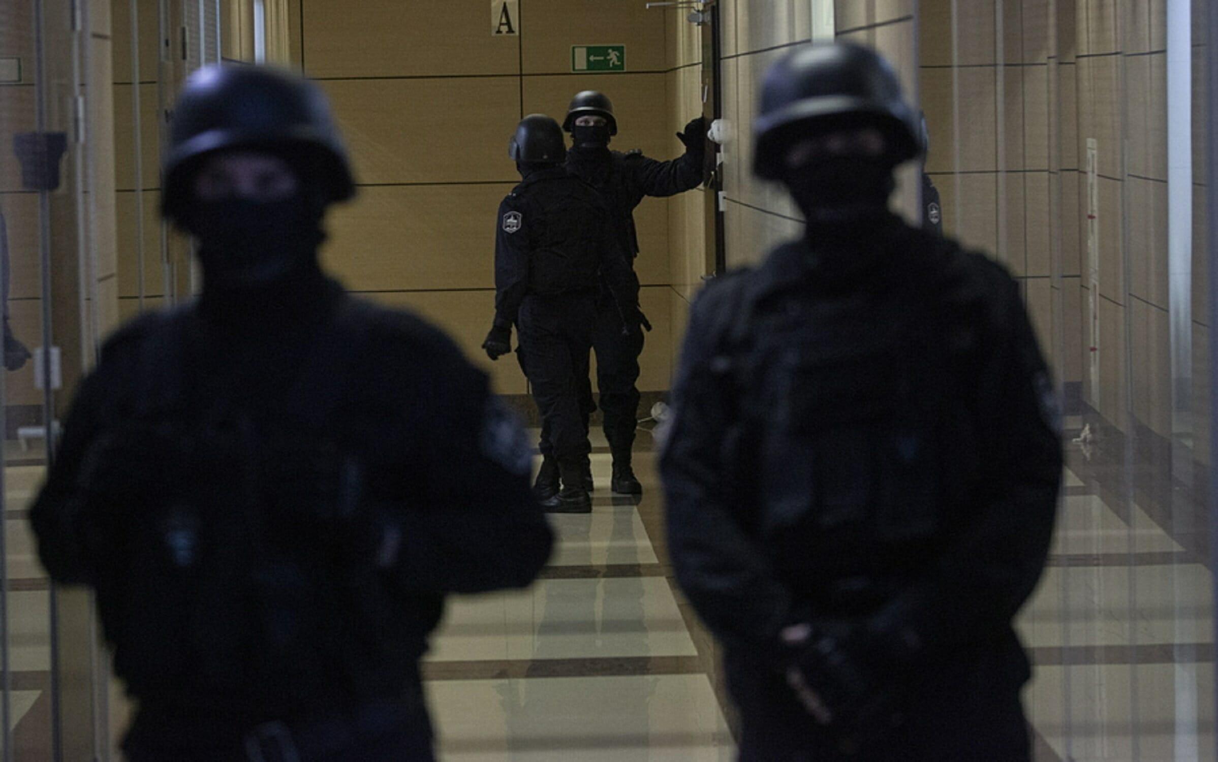 Μόσχα: Νέες συλλήψεις δημοσιογράφων που συμπαραστάθηκαν σε συνάδελφό τους που κρατείται