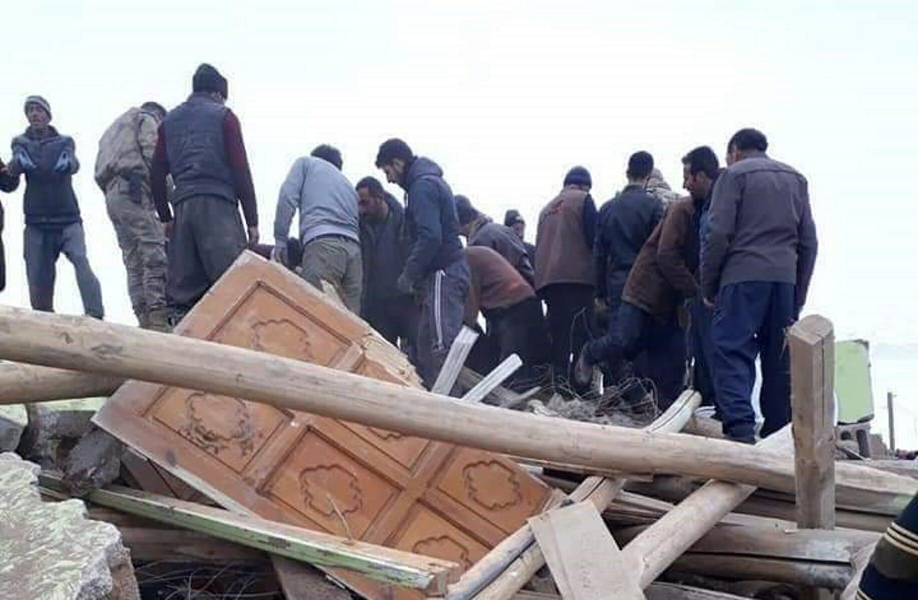 Σεισμός στην Τουρκία: Νεκροί και εγκλωβισμένοι στη Βαν [pics, video]