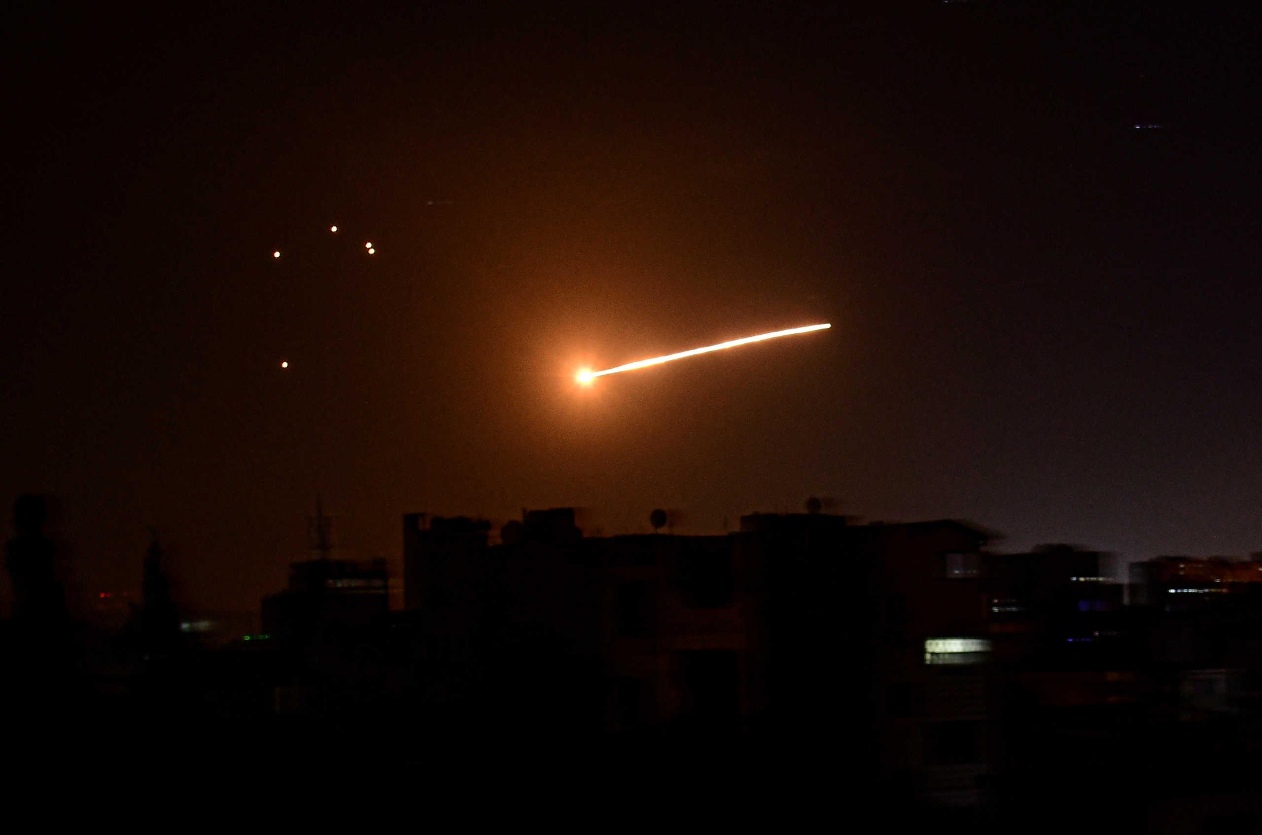 Συρία: Νυχτερινή αεροπορική επιδρομή στη Δαμασκό από το Ισραήλ