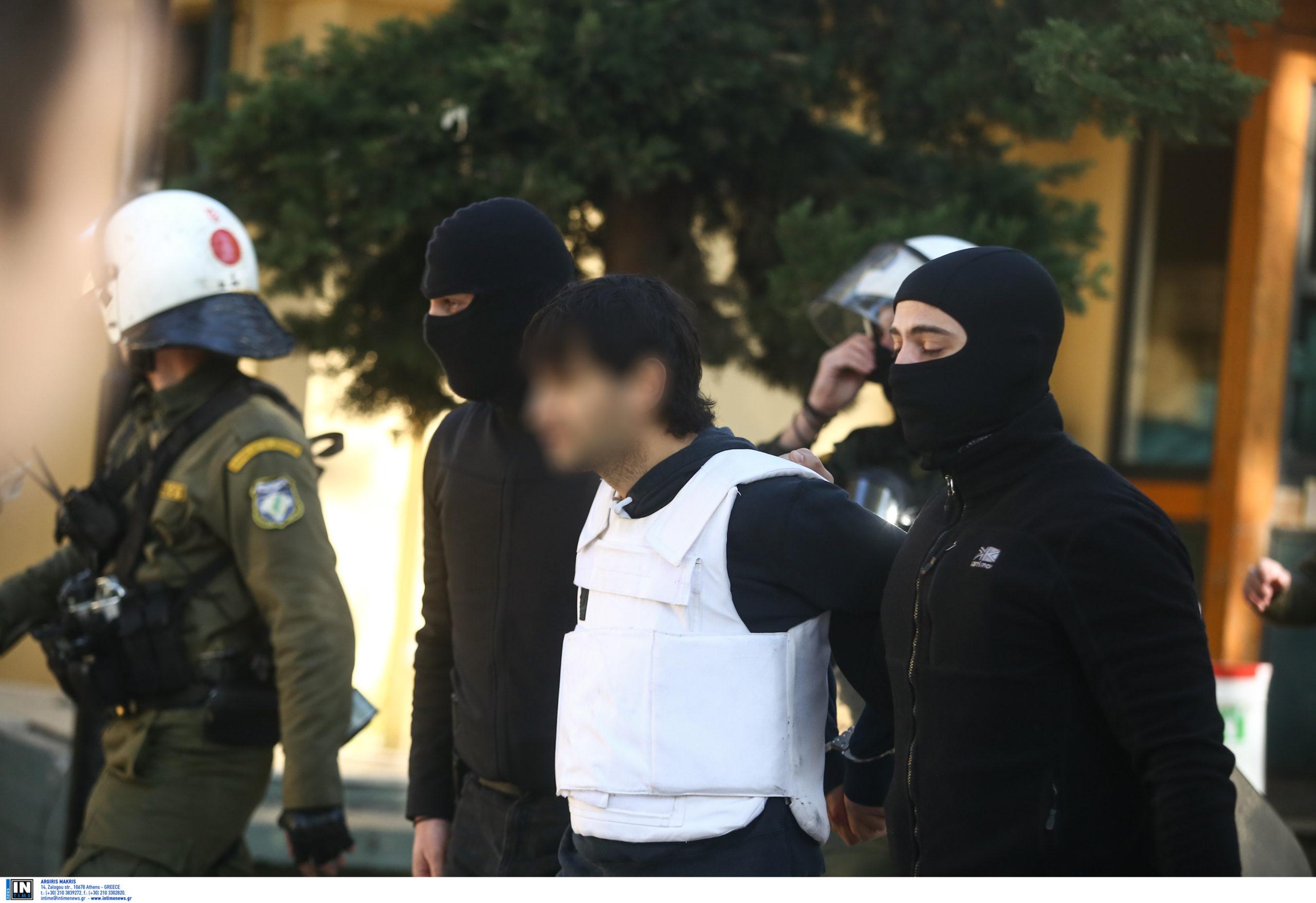 Τοξοβόλος: Βρήκαν το κρησφύγετό του στην Αθήνα