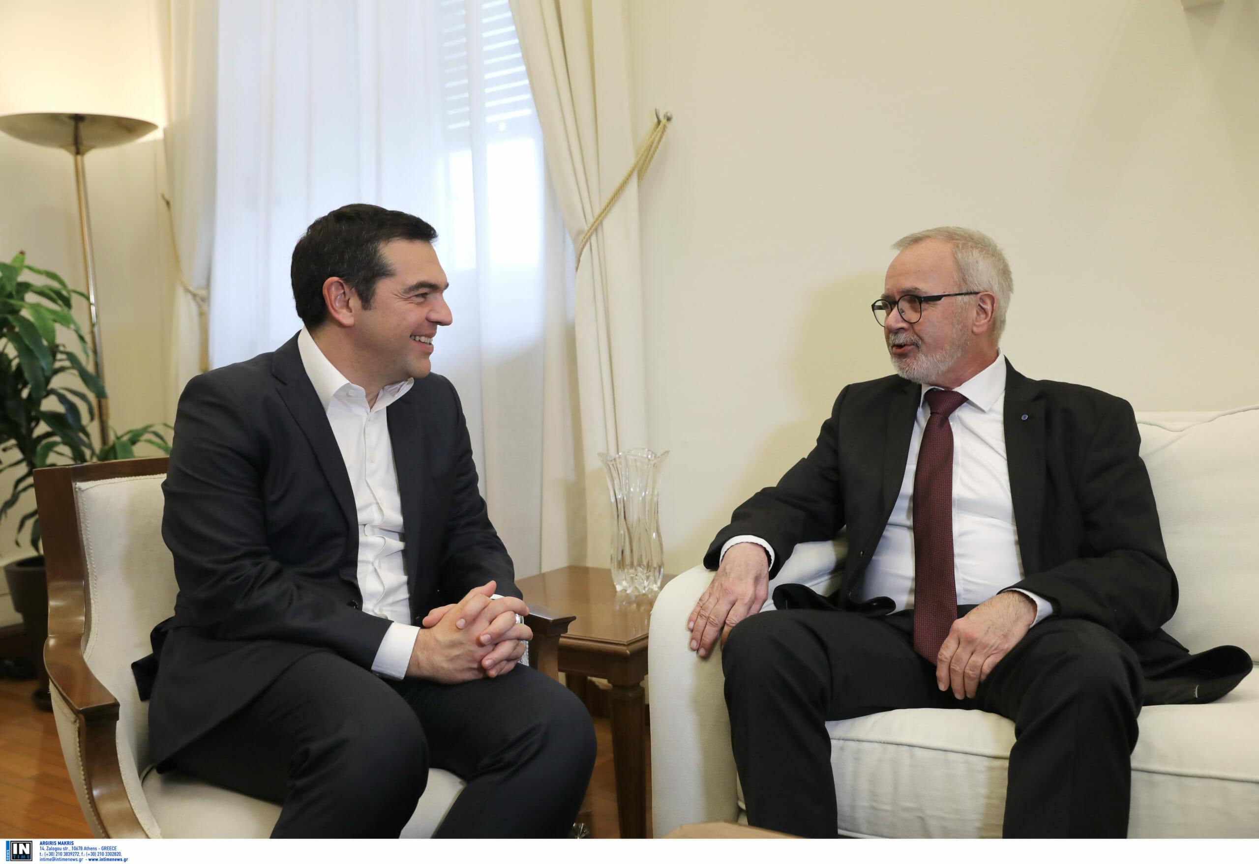 Με τον πρόεδρο της Ευρωπαϊκής Τράπεζας Επενδύσεων συναντήθηκε ο Τσίπρας