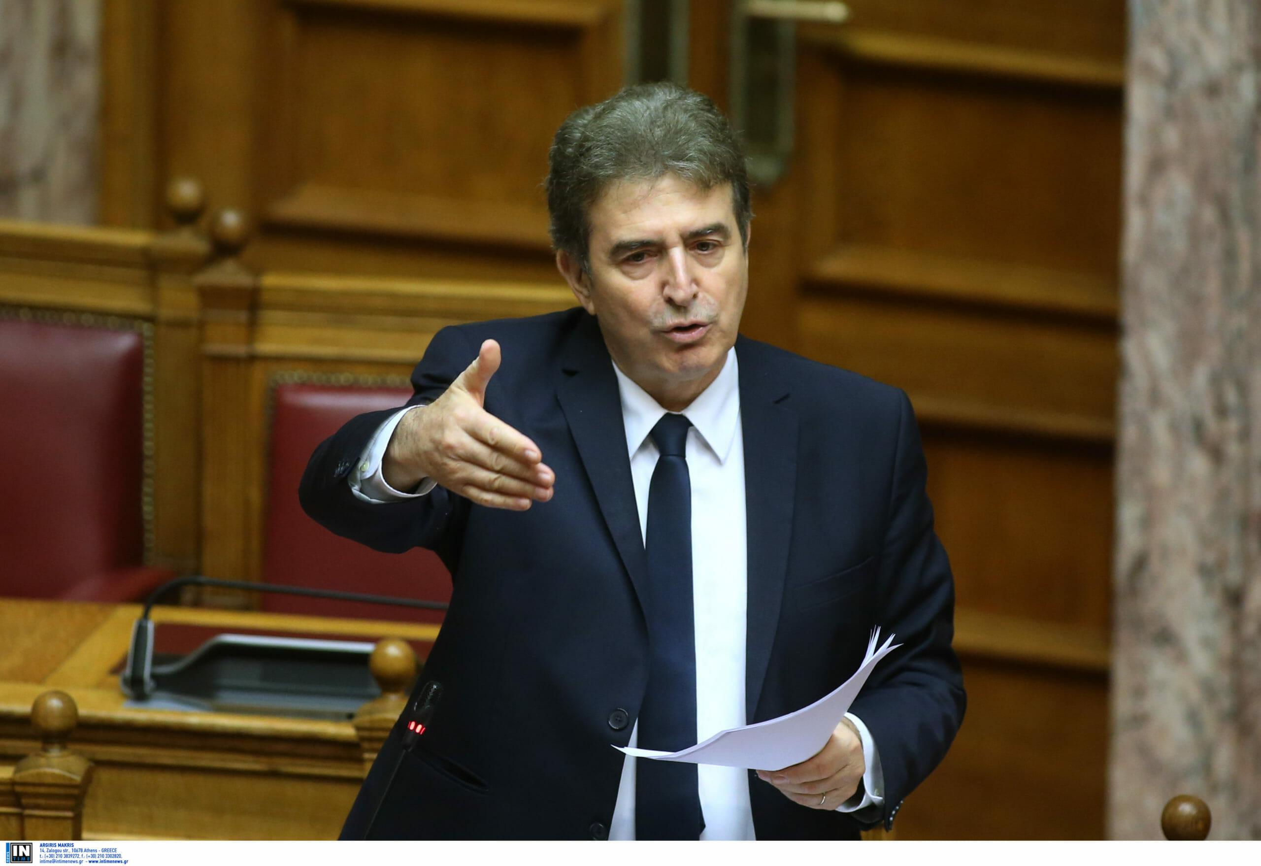 Χρυσοχοΐδης: Ο νόμος για τις συναθροίσεις  θα εφαρμοστεί – Μέχρι τώρα ίσχυαν νόμοι της χούντας