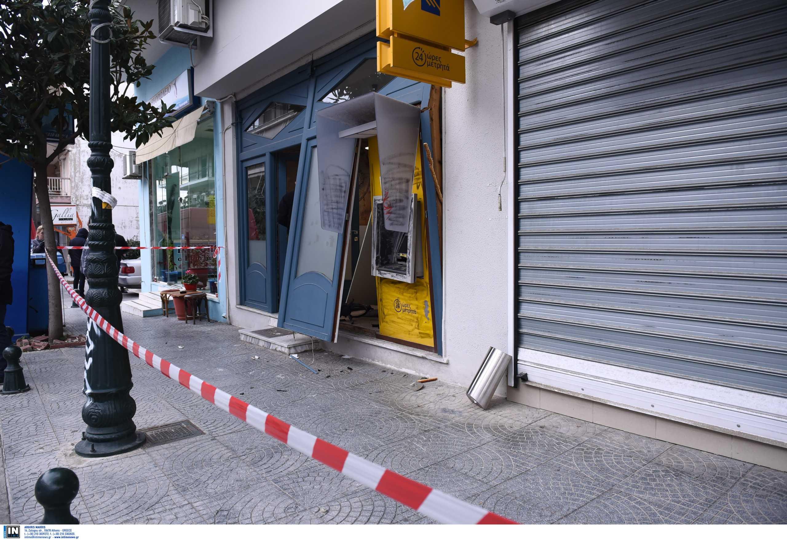 Πήγαν να ανατινάξουν ΑΤΜ τράπεζας και συνελήφθησαν μετά από καταδίωξη