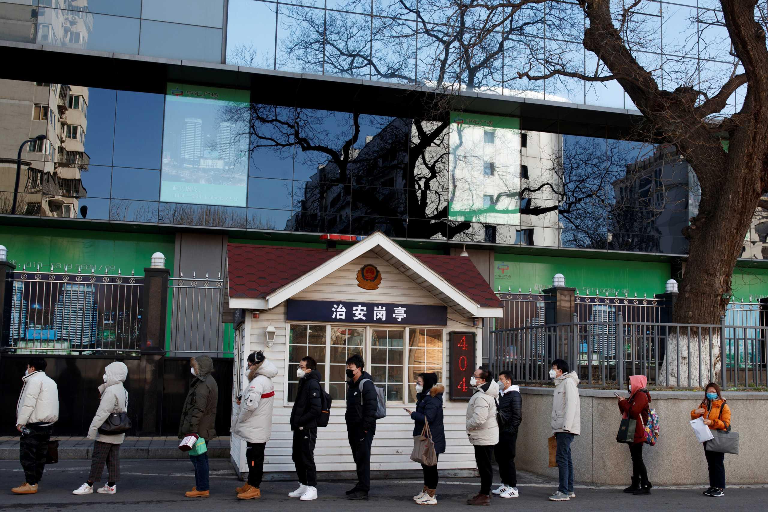 Κορονοϊός: Οι έγκυες Κινέζες φοβούνται να γεννήσουν στα νοσοκομεία
