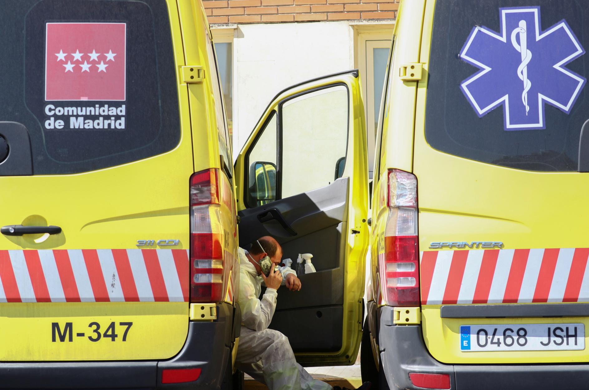 Κορονοϊός: Άλλοι 838 νεκροί σε μια μέρα στην Ισπανία – Αυστηρότερα μέτρα από τον Σάντσεθ