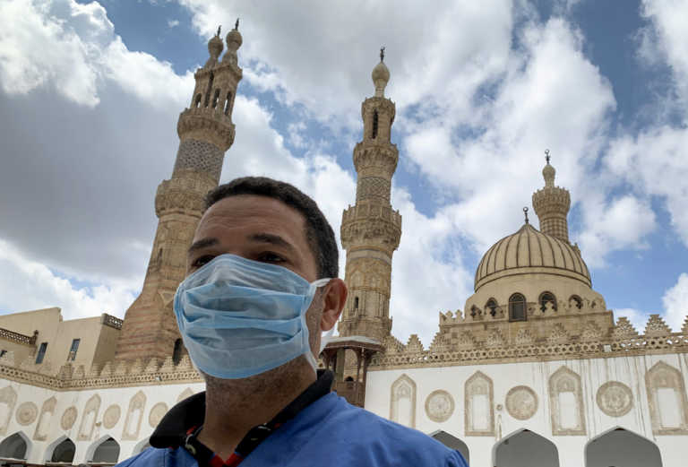 Μεγάλος Ιμάμης σουνιτικού Ισλάμ για σκίτσα Μωάμεθ: Προσβάλλουν όλους τους μουσουλμάνους – Να απαγορευτούν