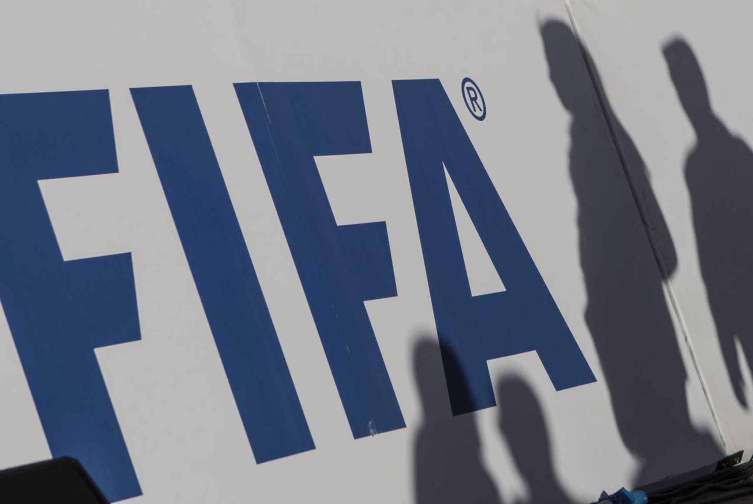 FIFA: «Απορρίπτουμε κάθε αποσχιστική τάση όπως η κλειστή λίγκα» – Με αποκλεισμούς απειλεί η UEFA