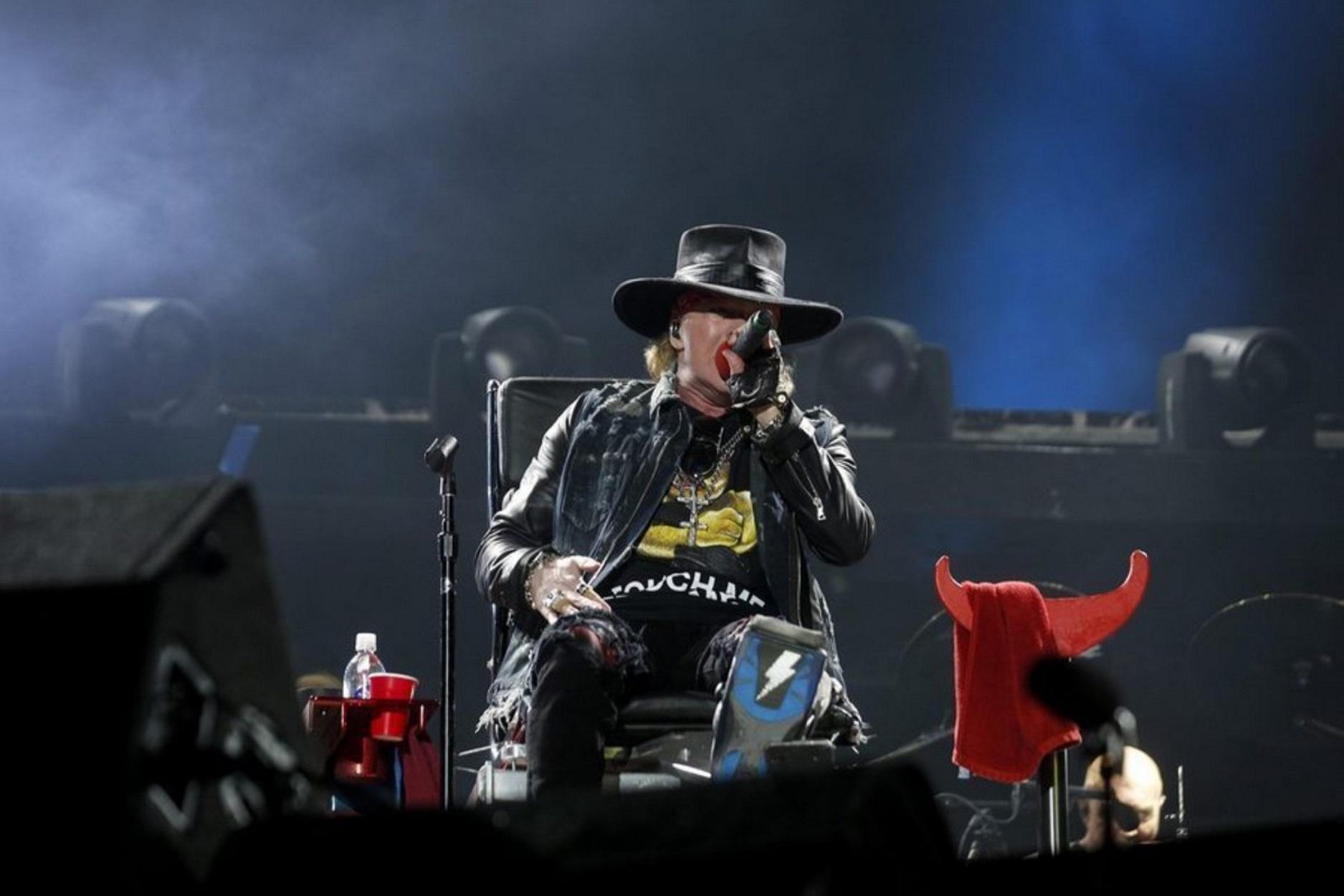Guns N' Roses: Εμφανίστηκαν με προστατευτικές μάσκες για τον κορoνοϊό (pic)