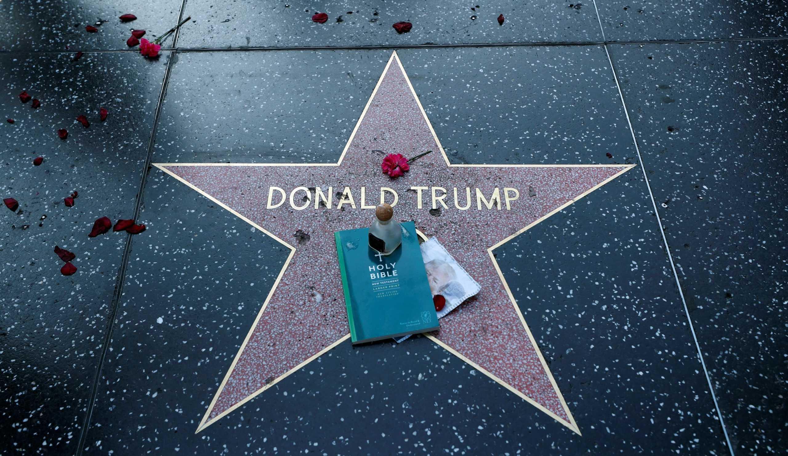 Αστέρες του Χόλιγουντ καλούν τους Αμερικανούς να δώσουν το παρόν στις κάλπες του Νοεμβρίου