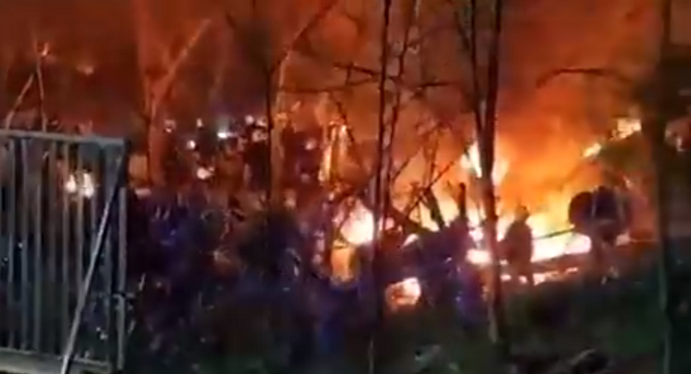 Καστανιές Έβρου: Μετανάστες από την πλευρά της Τουρκίας άναψαν φωτιές στα σύνορα με την Ελλάδα! video