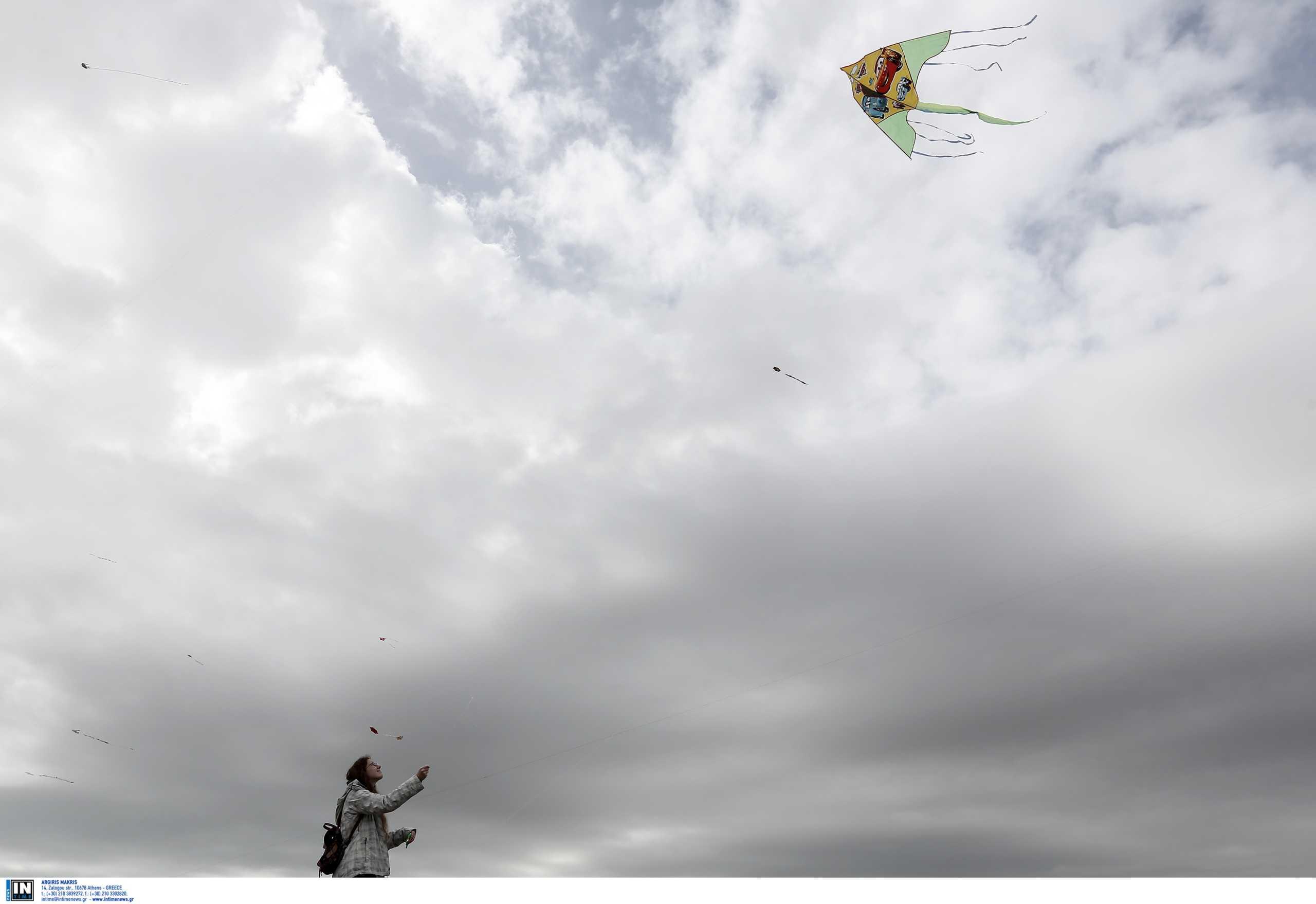 Ας πετάξουν οι χαρταετοί! Ισχυροί άνεμοι την Καθαρά Δευτέρα - Πού θα πέσουν τοπικές βροχές