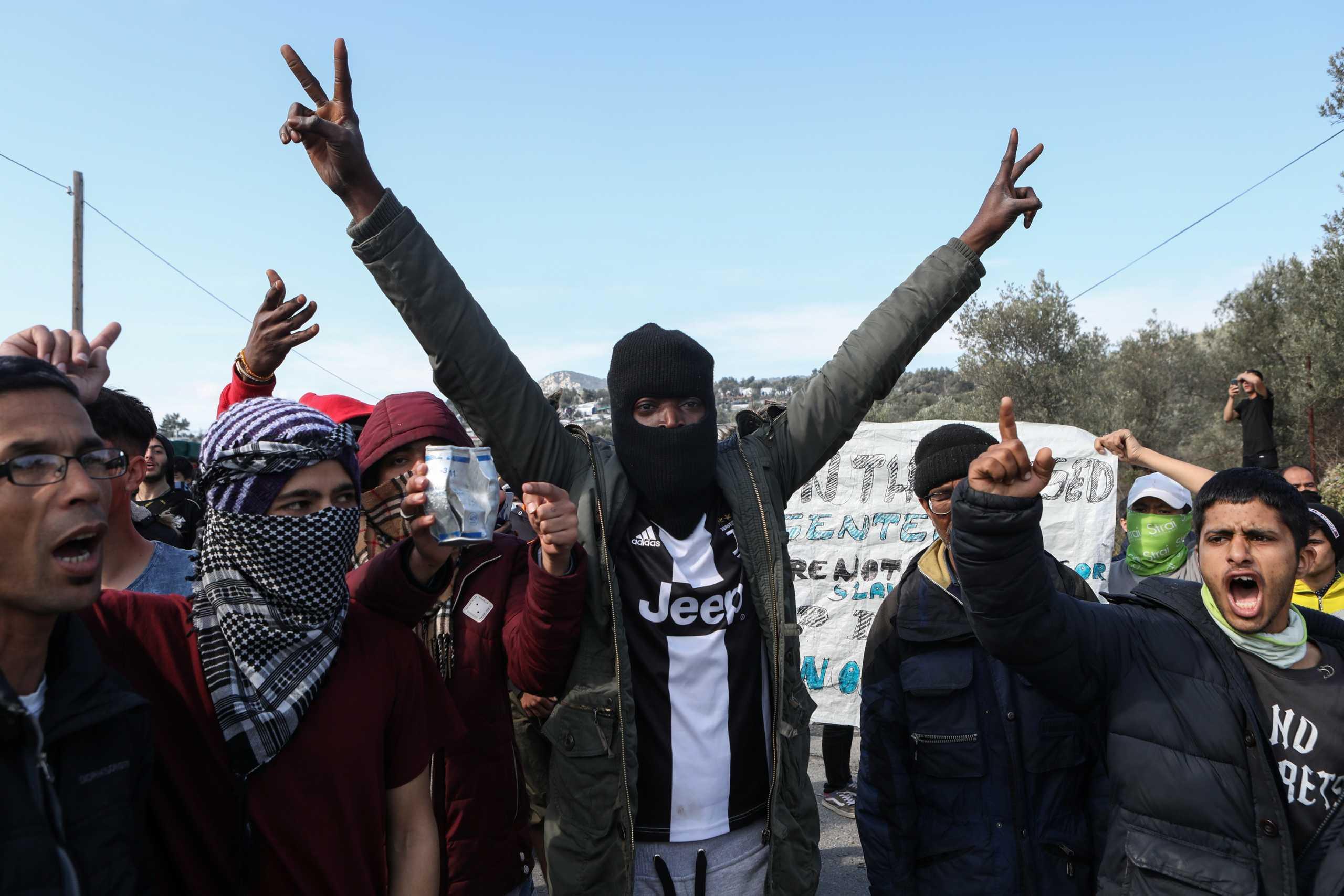 Μυτιλήνη: Φεύγουν μαζικά εργαζόμενοι Μη Κυβερνητικών Οργανώσεων μετά τα τελευταία γεγονότα…