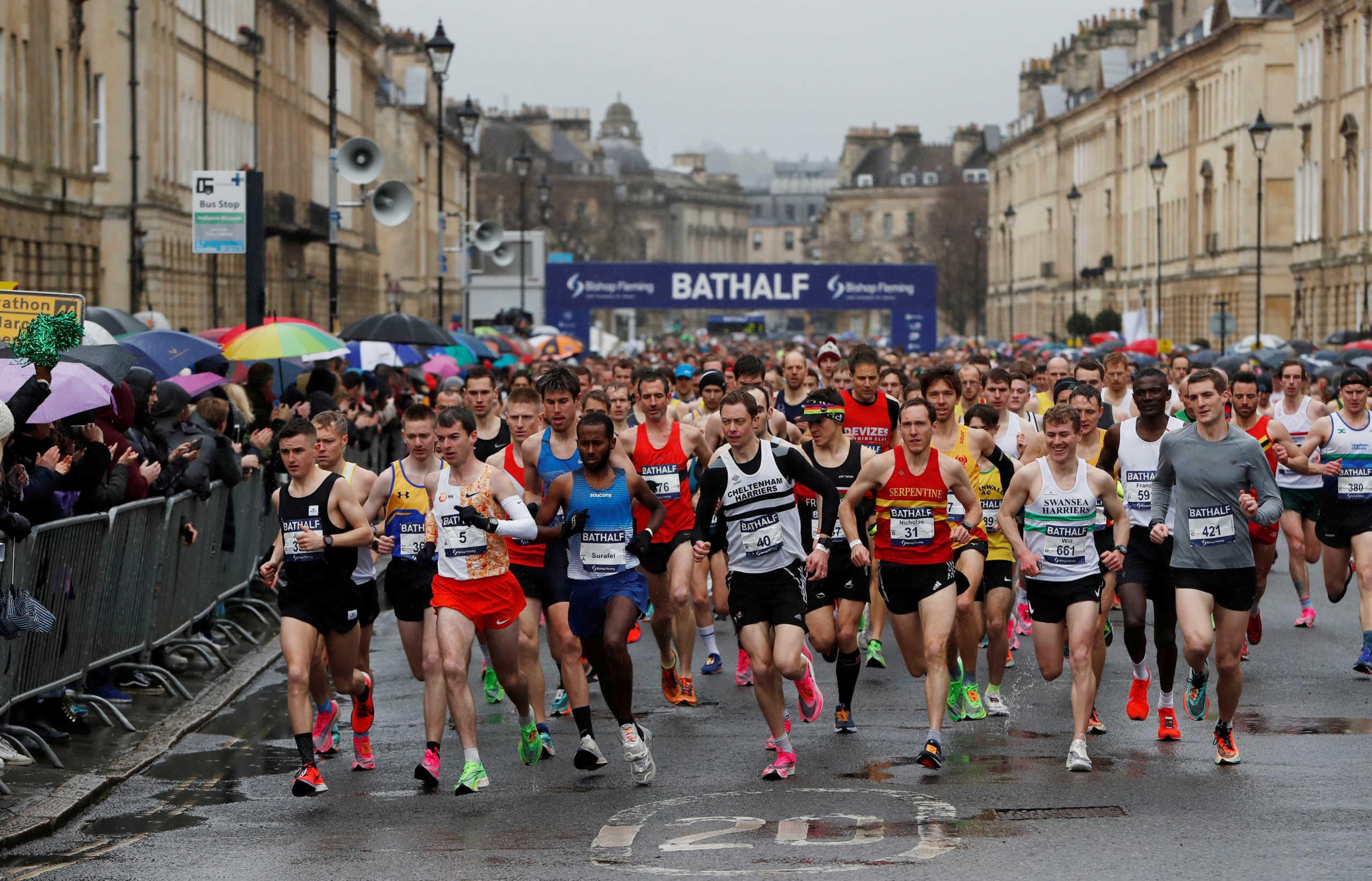 Τραγική ανευθυνότητα! Διεξήχθη αγώνας δρόμου με 6.000 συμμετέχοντες στην Αγγλία (pics)