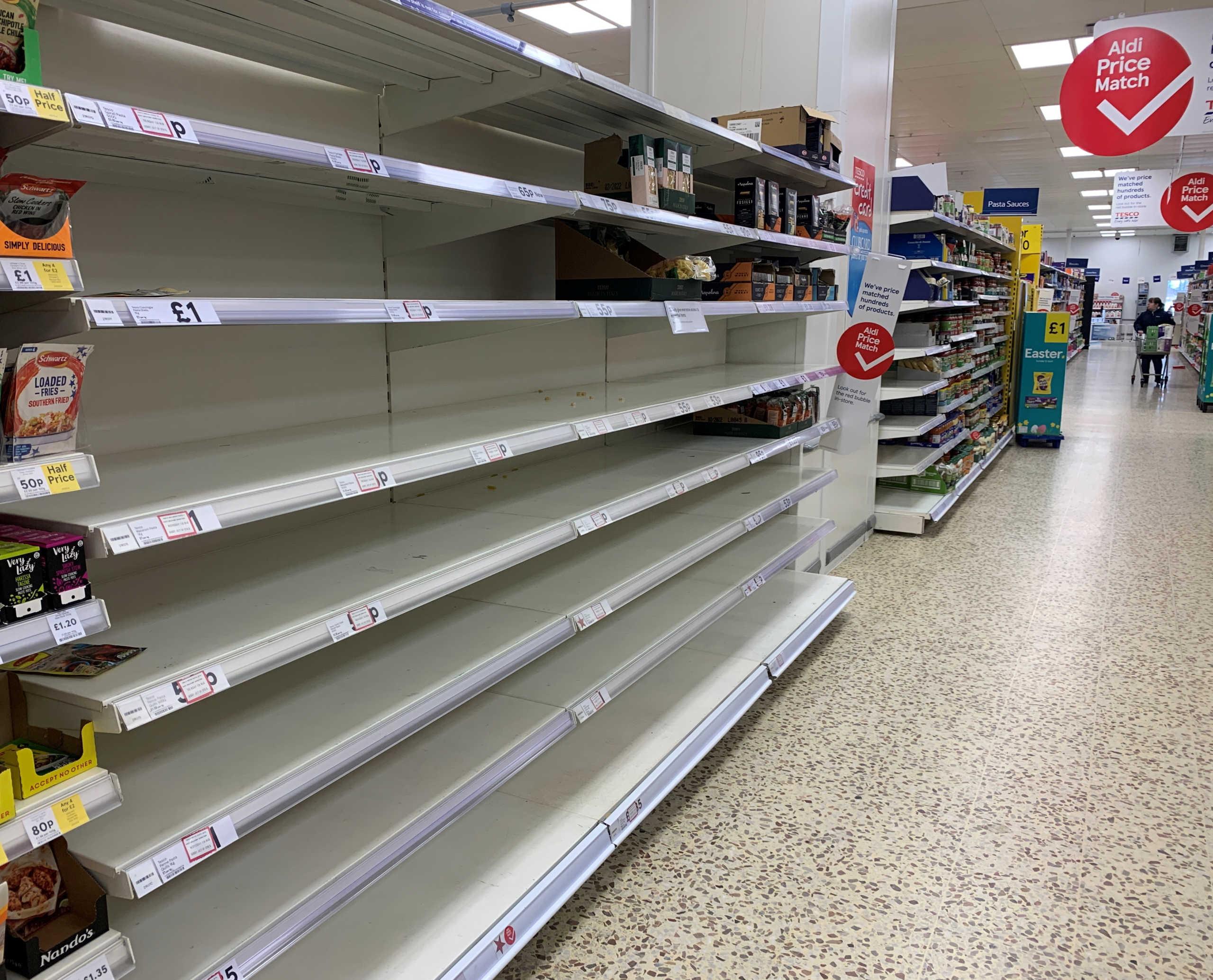 Βρετανία: Θα τους βρουν τα Χριστούγεννα με άδεια ράφια στα σούπερ μάρκετ